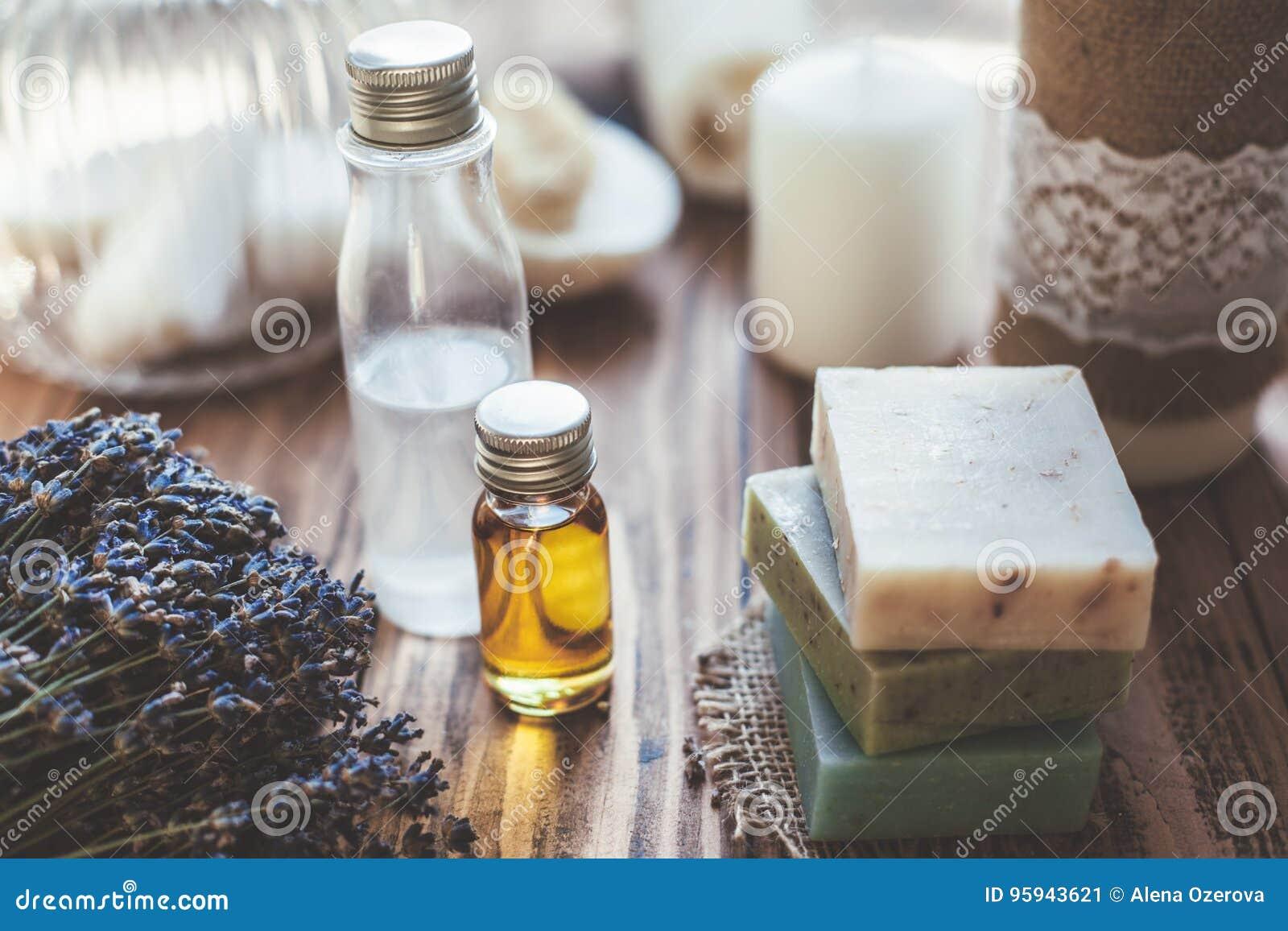 Cosmetiques Et Savon Faits Maison De Station Thermale Image Stock Image Du Savon Faits 95943621