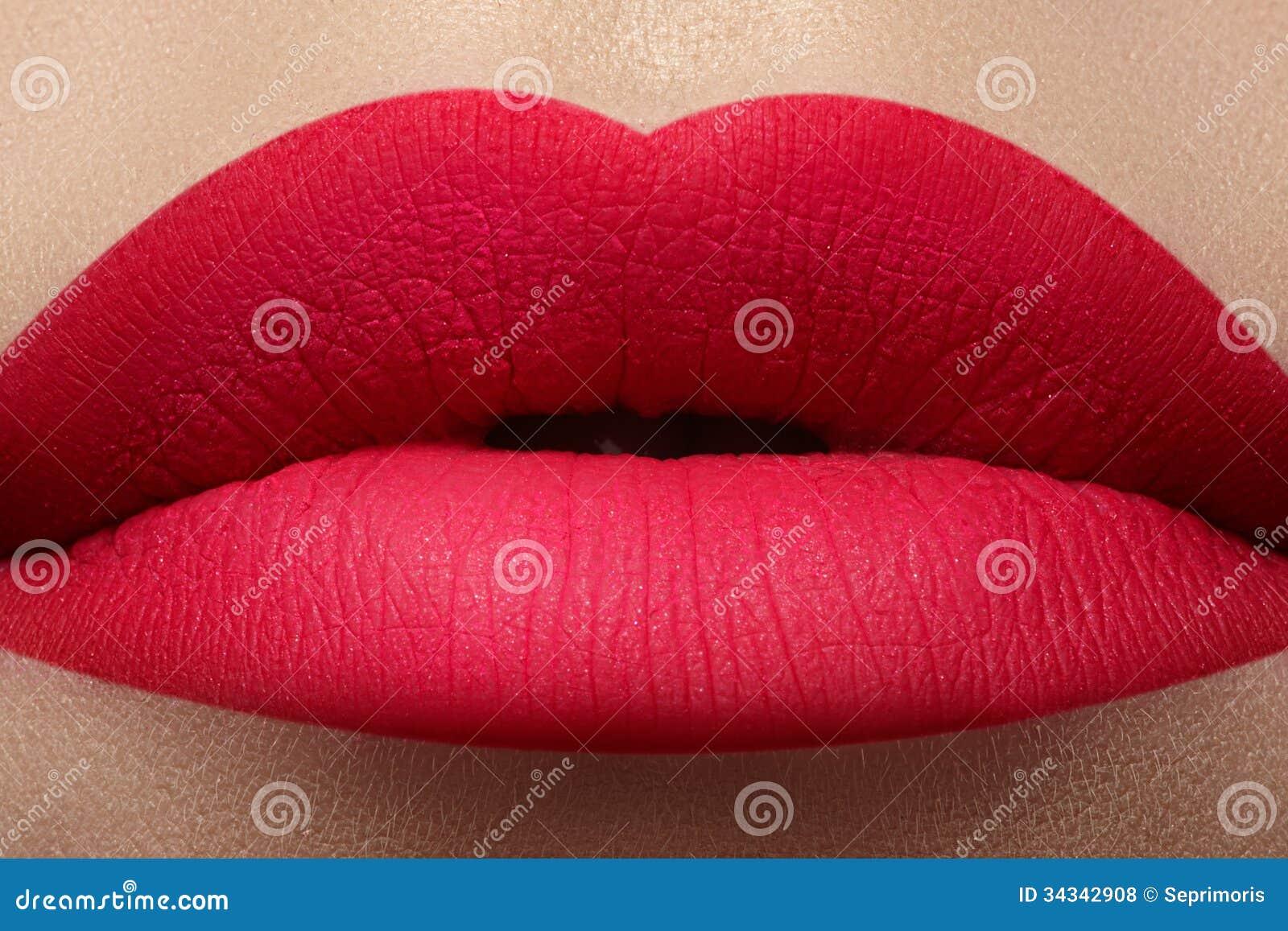 Cosmetic. Glamour fashion bright pink lips mat make-up