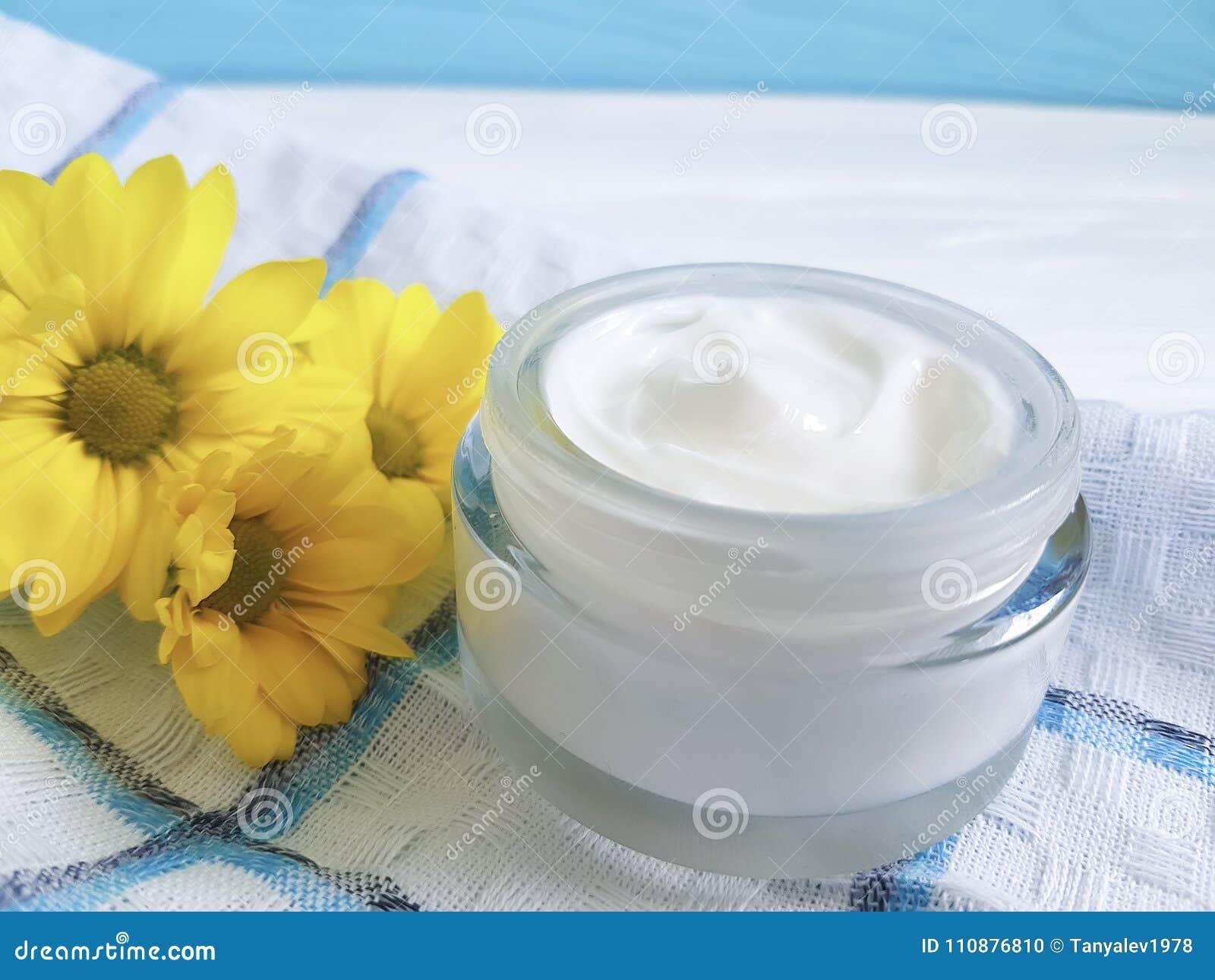 Cosmetic Cream Organic Morning Skincare Ointment Yellow