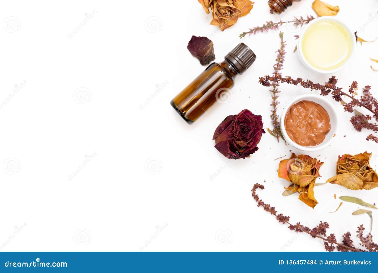 Cosmetici botanici aromatici Miscela secca dei fiori delle erbe, maschera facciale dell argilla del fango, oli, applicanti spazzo