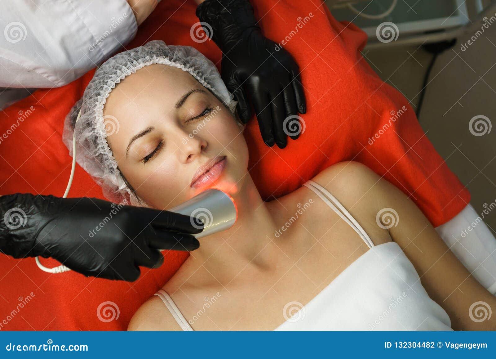Cosmetología del hardware Limpieza ultrasónica de la cara