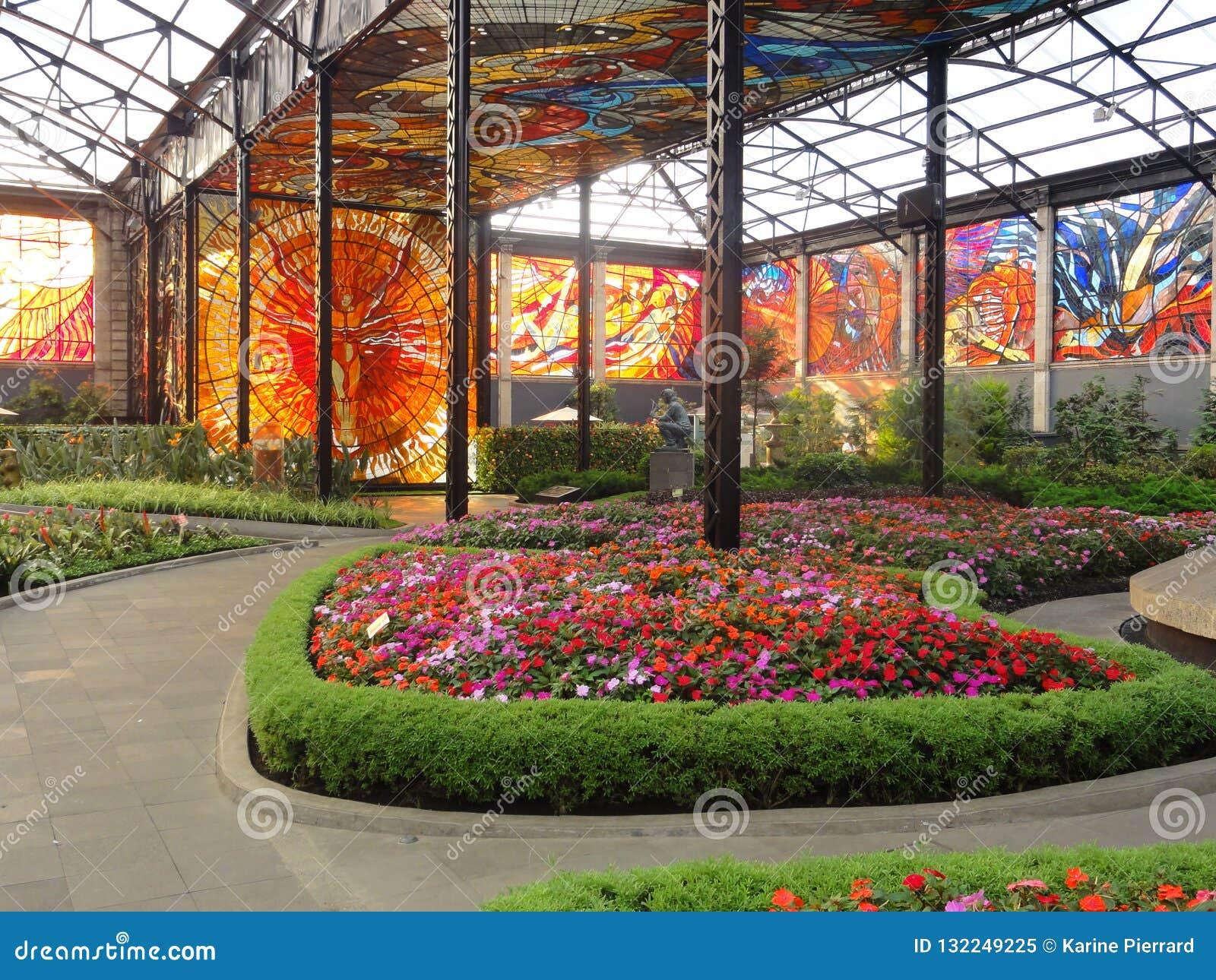 Cosmovitral is een botanische tuin is in Toluca - Mexico