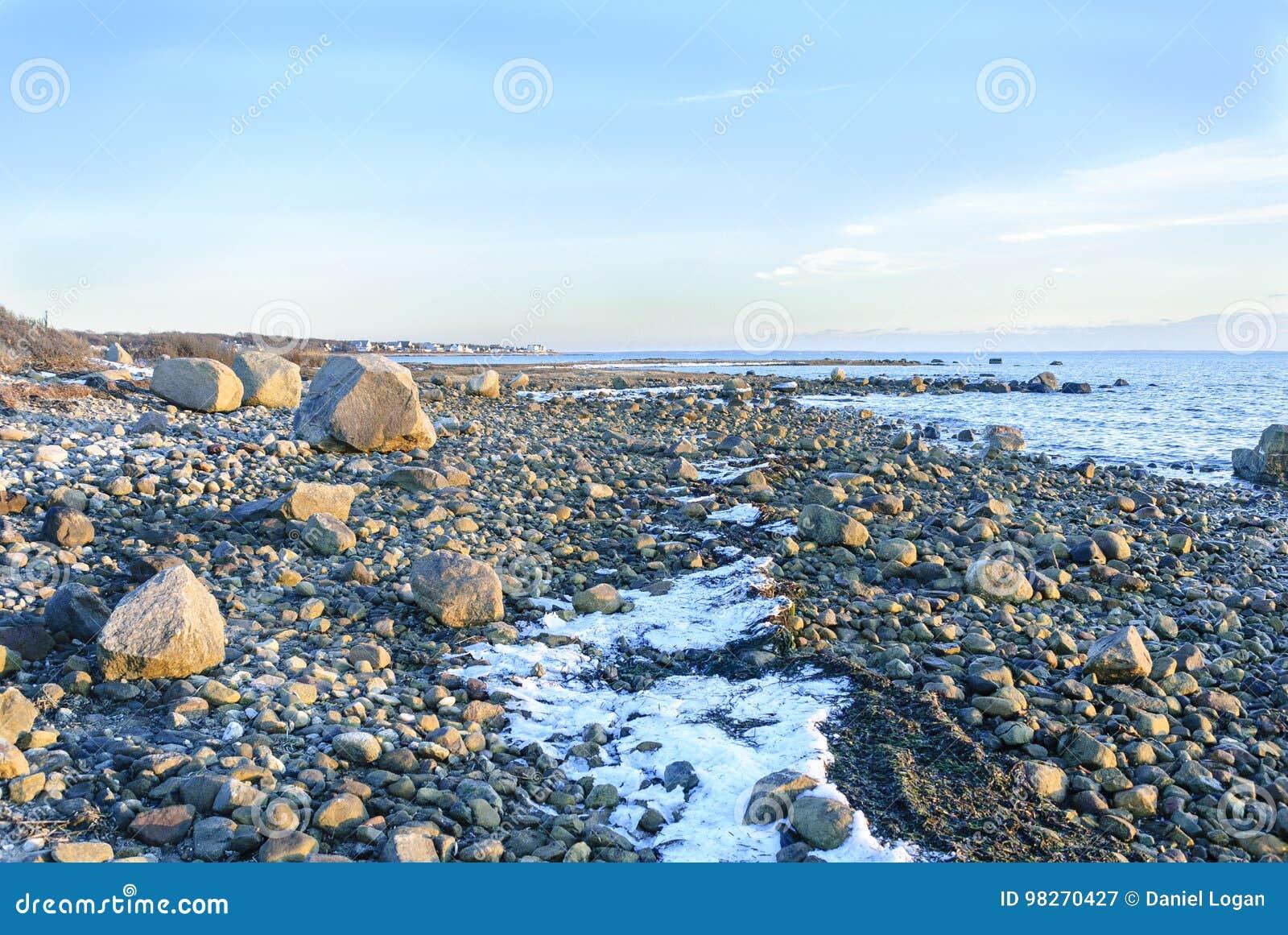 Costa costa de Rocky Buzzards Bay