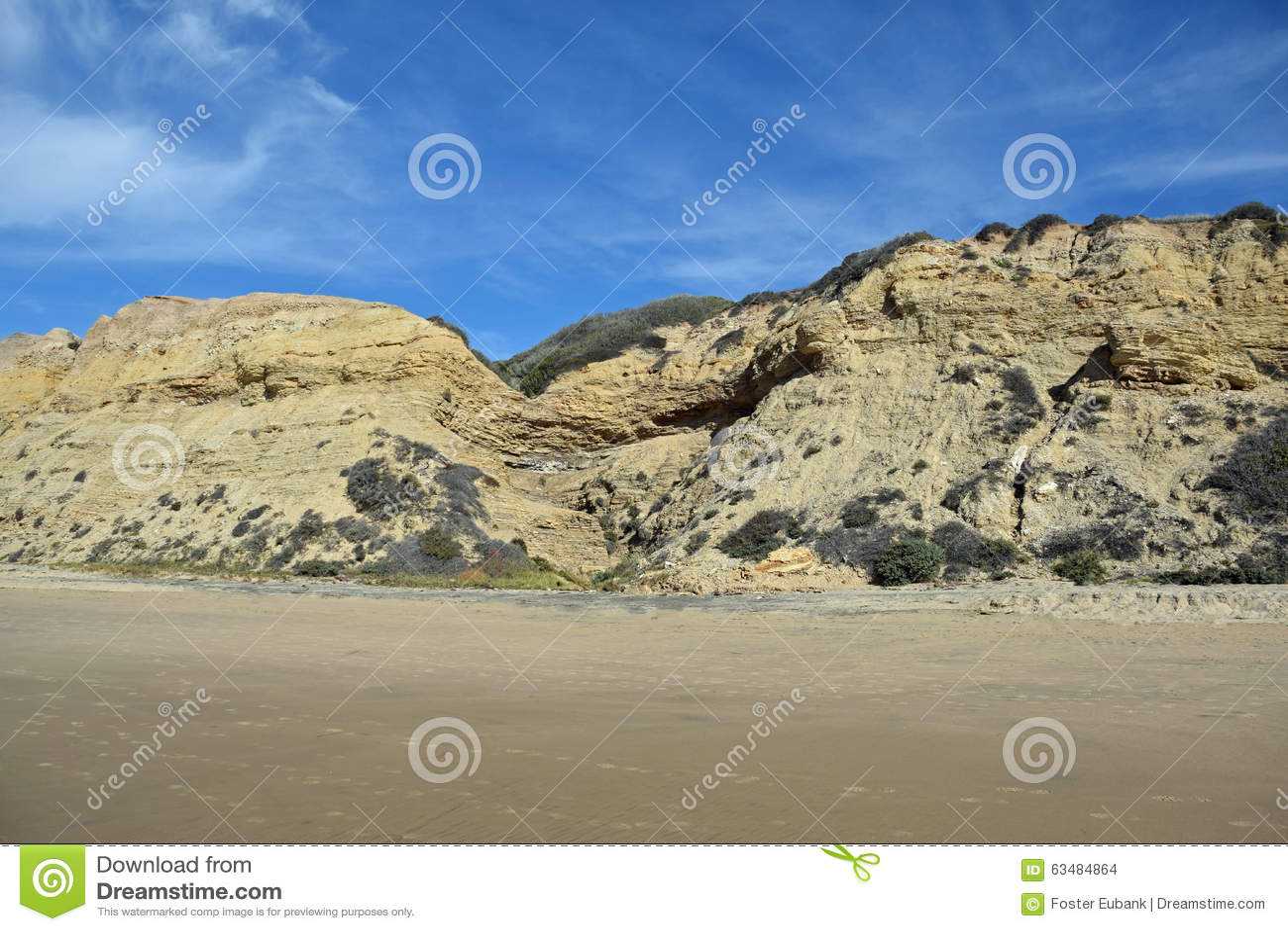 Costa costa en Crystal Cove State Park, California meridional