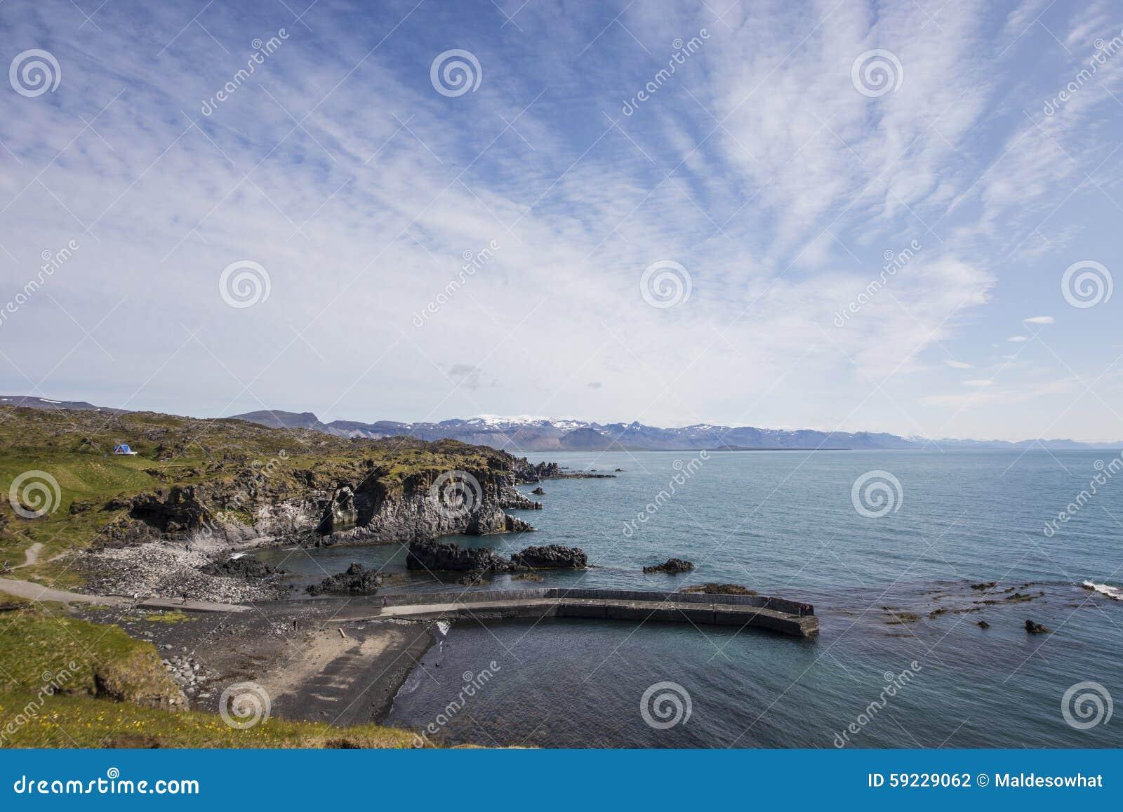 Download Costa costa hermosa foto de archivo. Imagen de travieso - 59229062