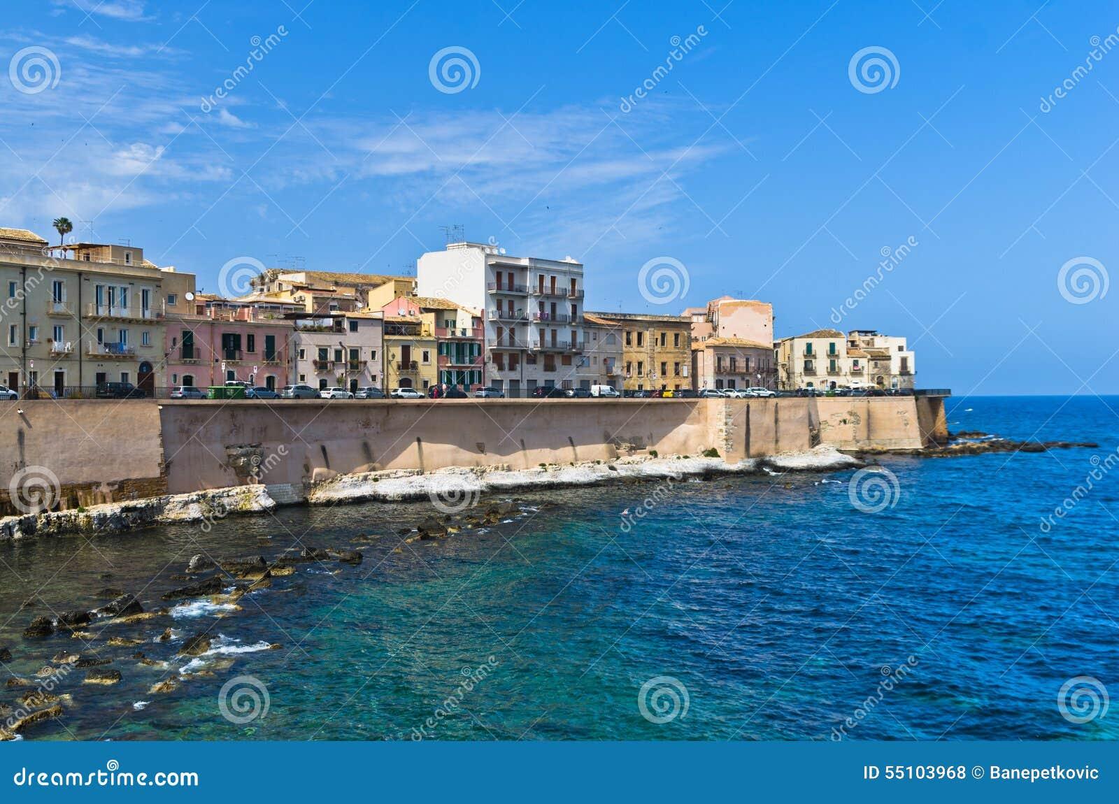 Costa da ilha de Ortigia na cidade de Siracusa, Sicília