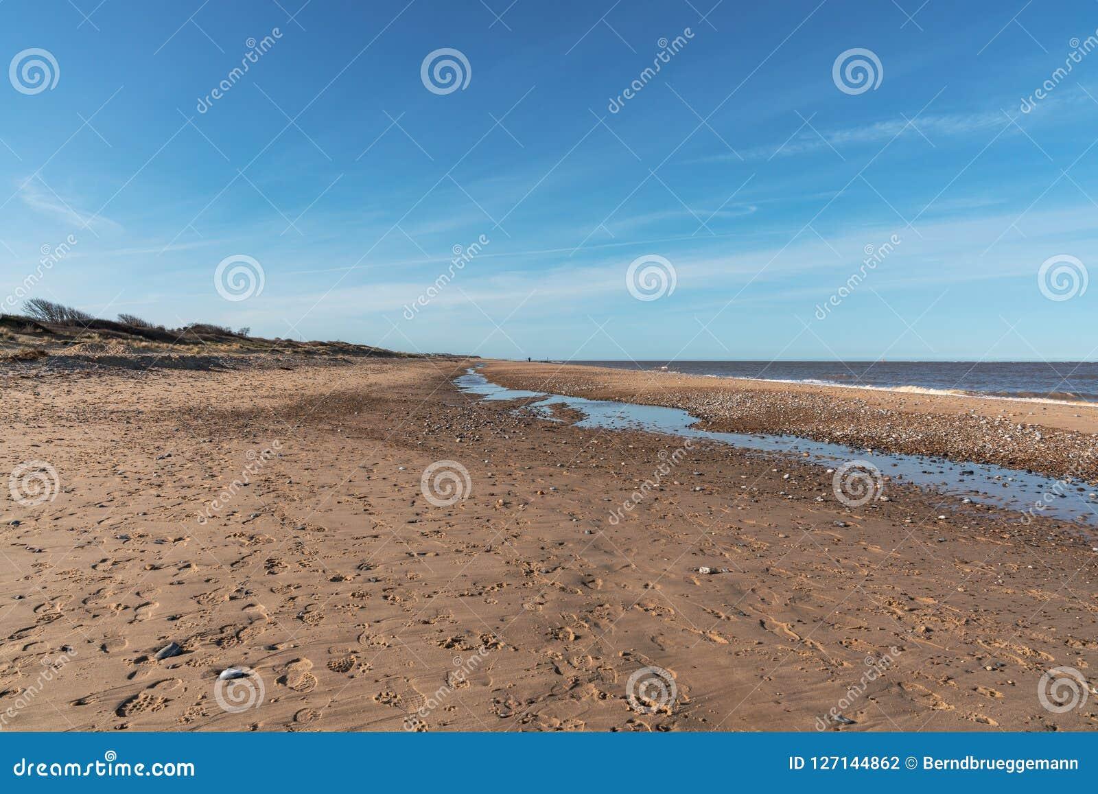 Costa de Mar do Norte no Caister-em-mar, Norfolk, Inglaterra, Reino Unido