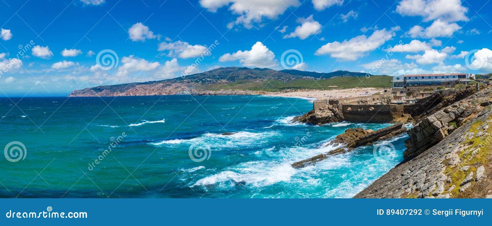 Costa de Oceano Atlântico em Portugal