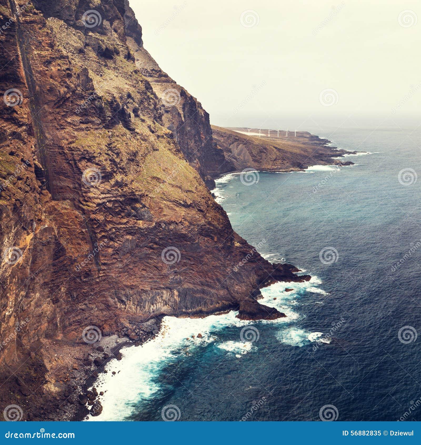 Costa di Tenerife vicino al faro di Punto Teno