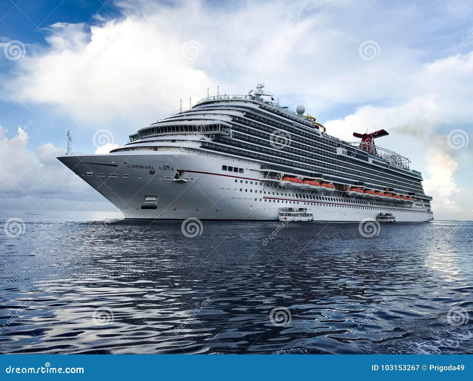 Costa Luminosa del barco de cruceros