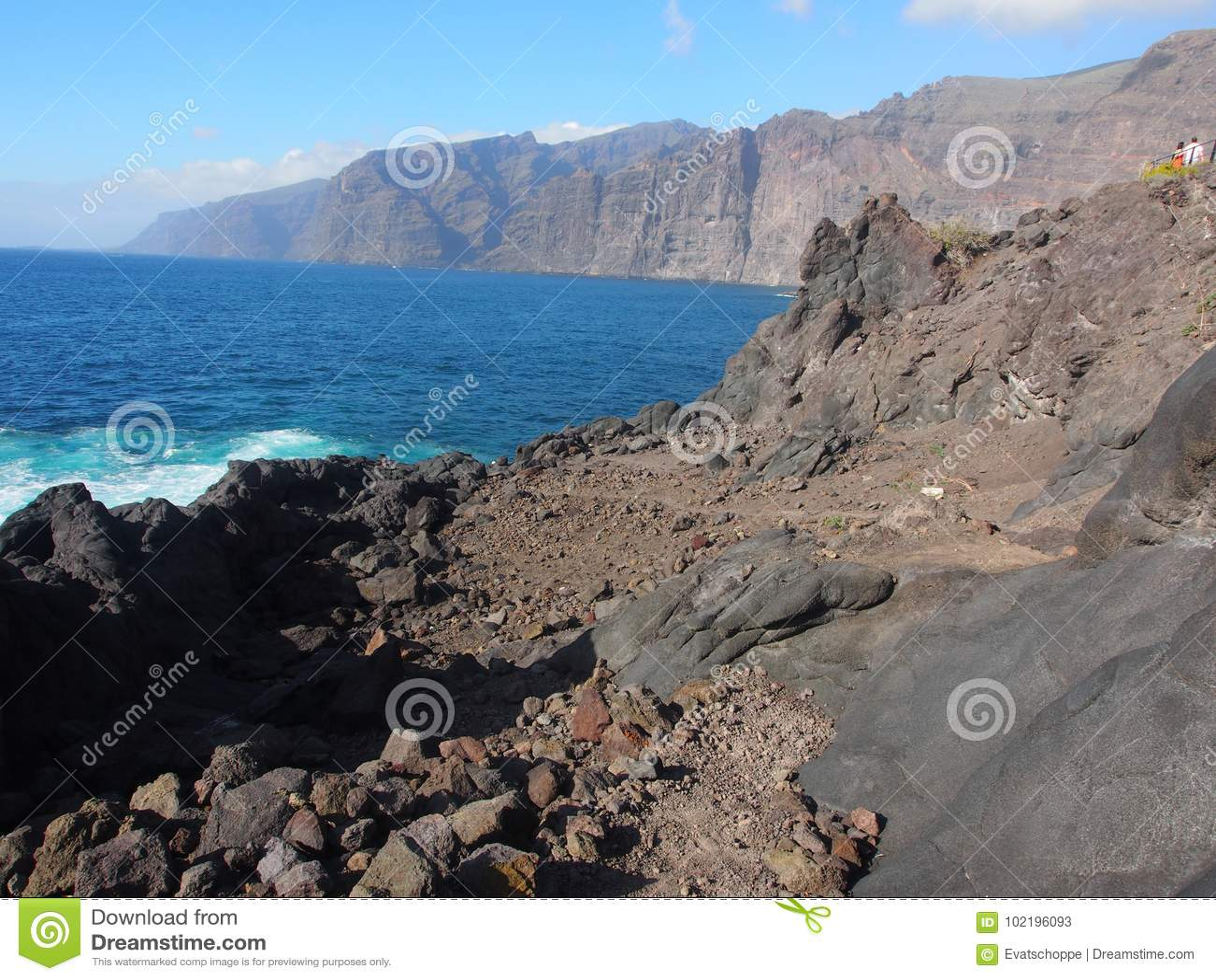 Costa rochosa de Tenerife em Puerto de Santiago, Tenerife