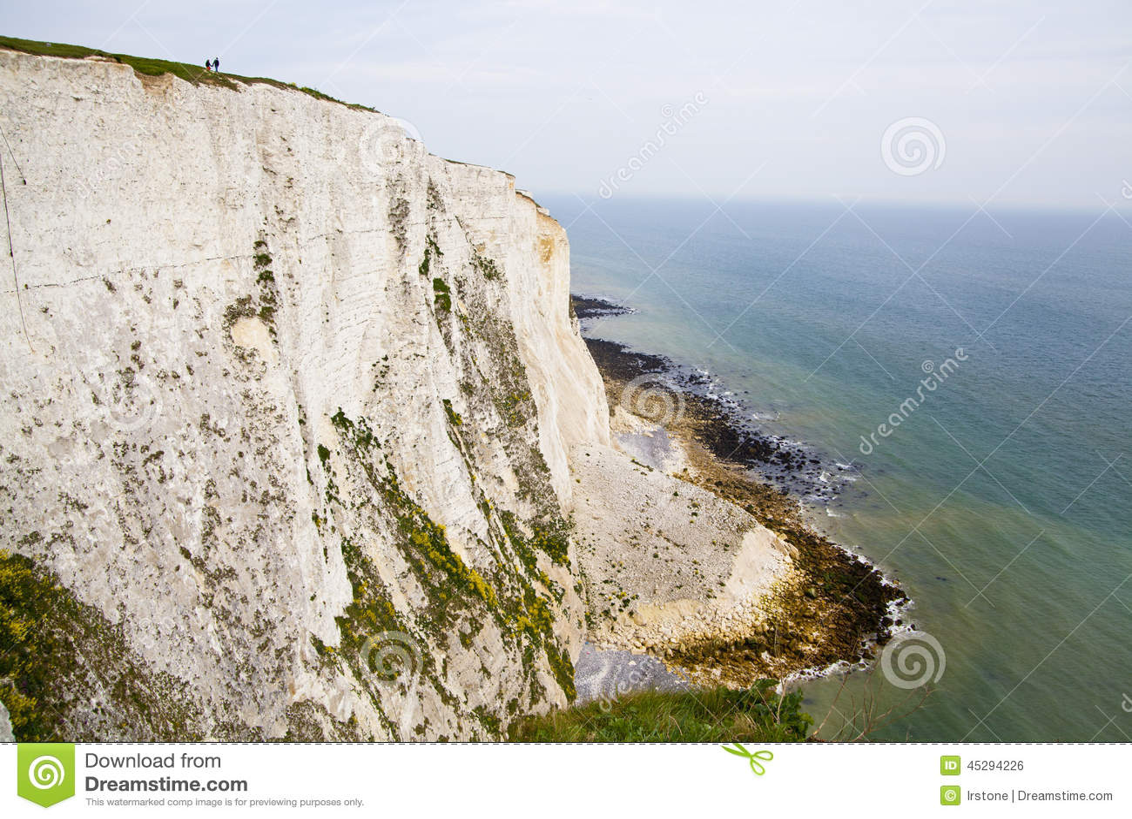 Costa sur blanca de los acantilados de Gran Bretaña, Dover, lugar famoso para los