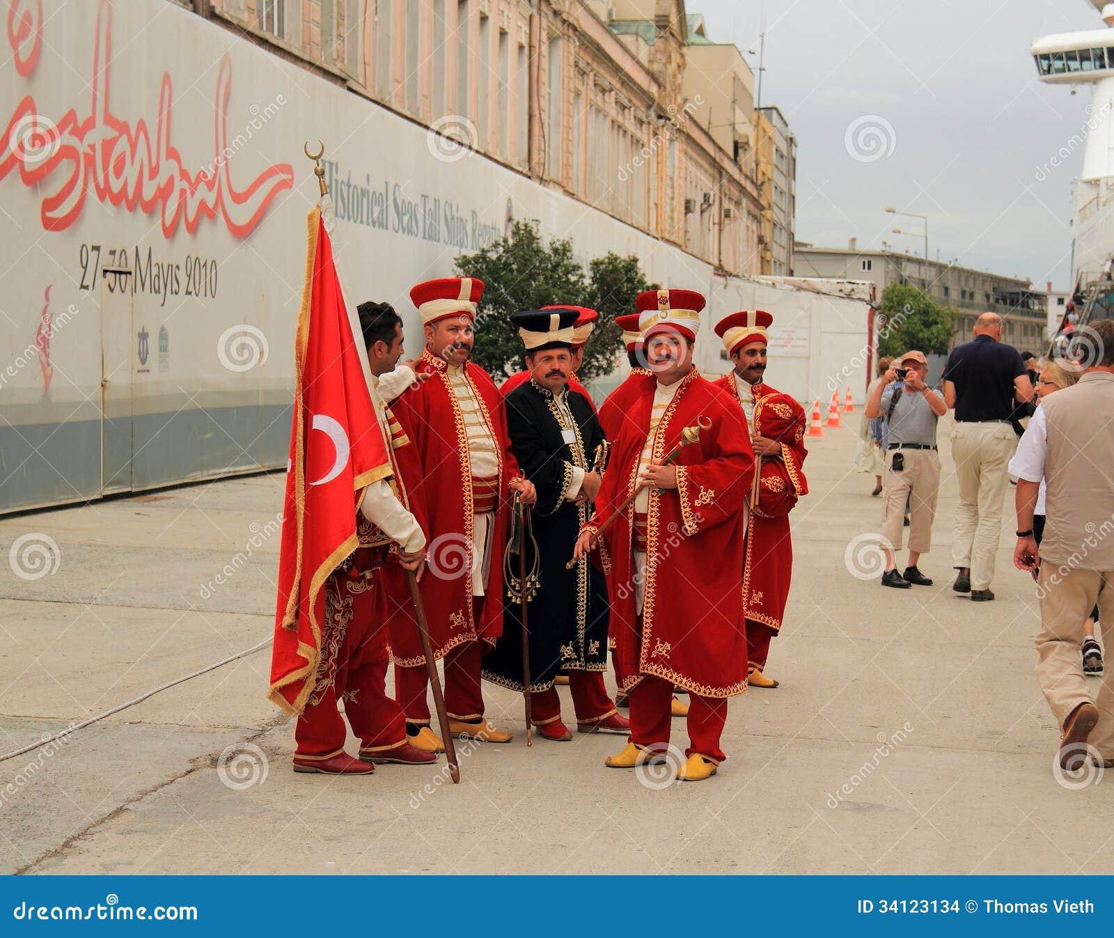 Costantinopoli: Membri di una banda militare dell impero ottomano