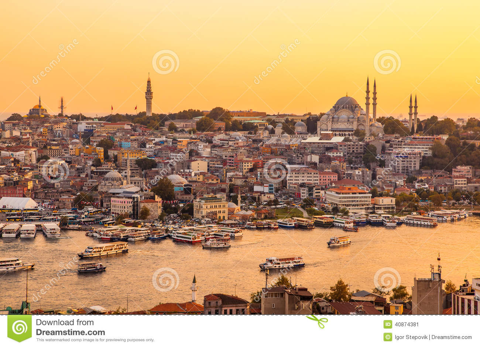 Costantinopoli, Turchia, vista sulla baia dorata di Horn dalla torre di Galata