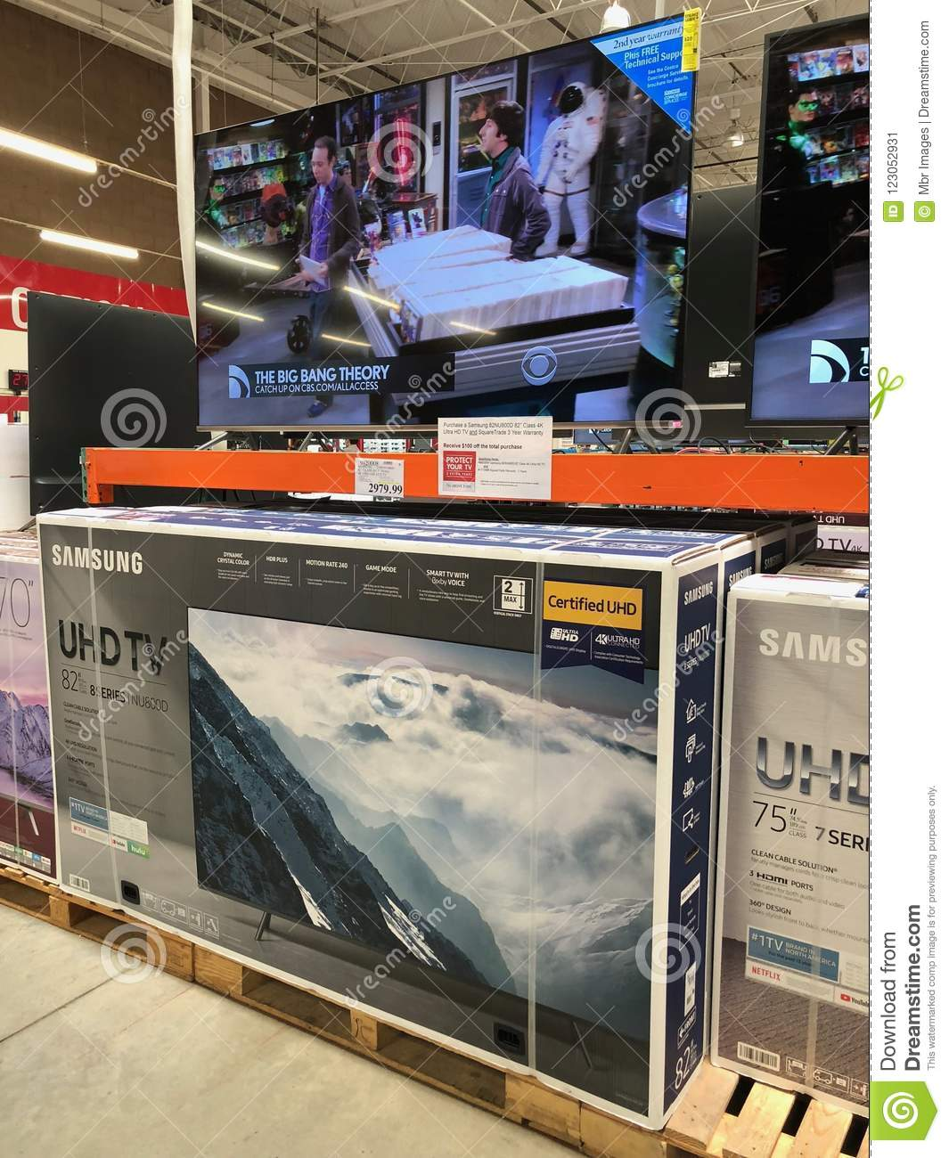 Costco Wholesale Shopping Club  Editorial Photo - Image of