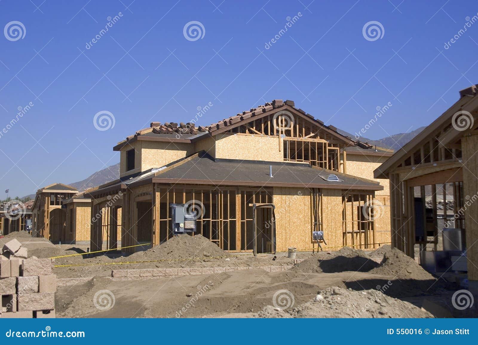 Costruzione fotografia stock immagine di casa legno for Casa di costruzione personalizzata
