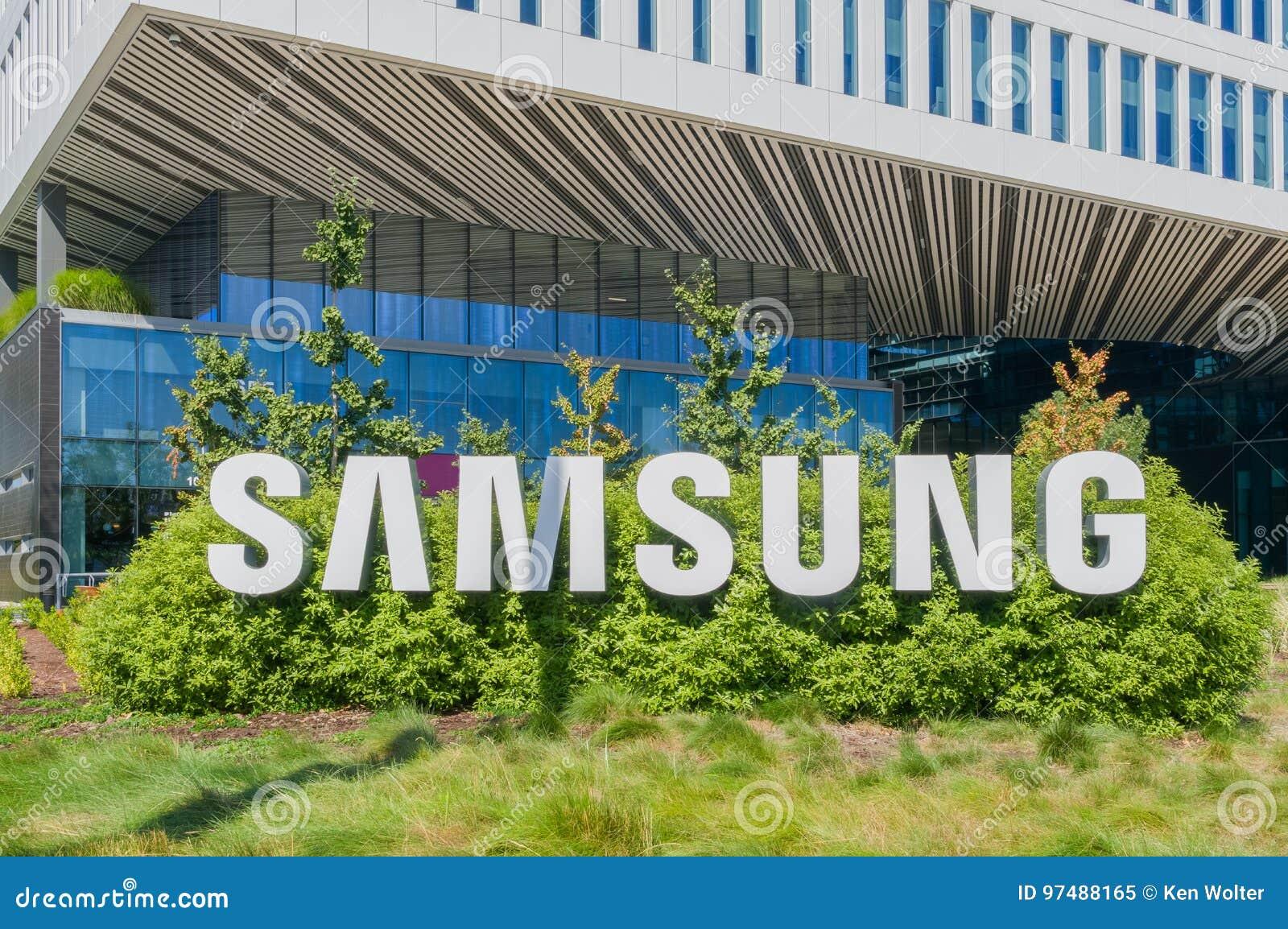 Costruzione corporativa e logo di Samsung