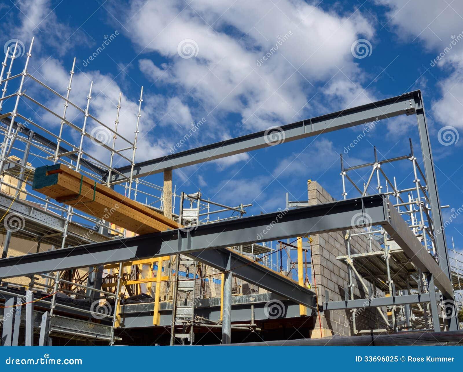 Costruzione d 39 acciaio della casa di legno immagine stock - Casa in acciaio prezzo ...