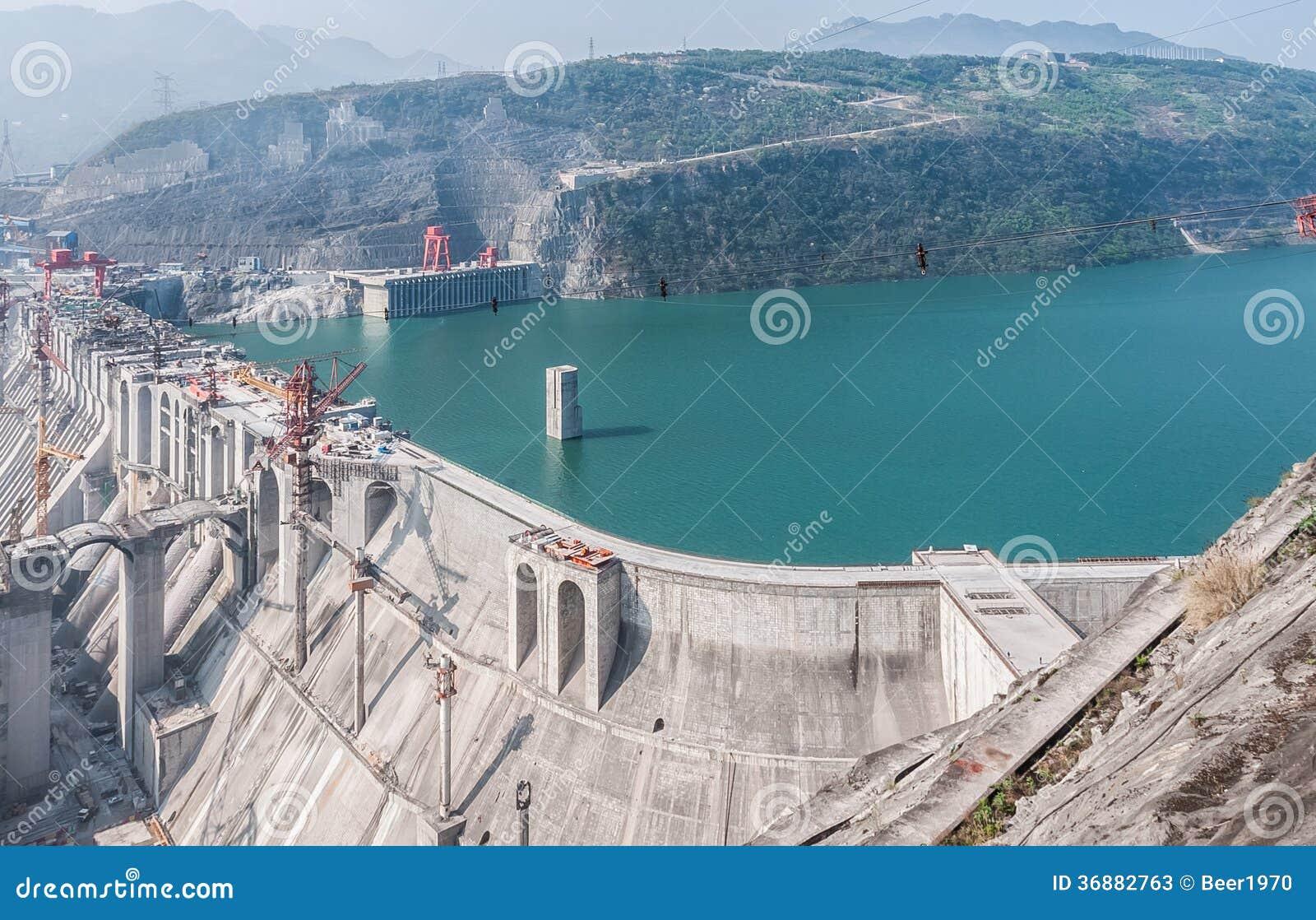 Download Costruzione Della Stazione Di Idropotenza Immagine Stock - Immagine di ingegneria, angolo: 36882763
