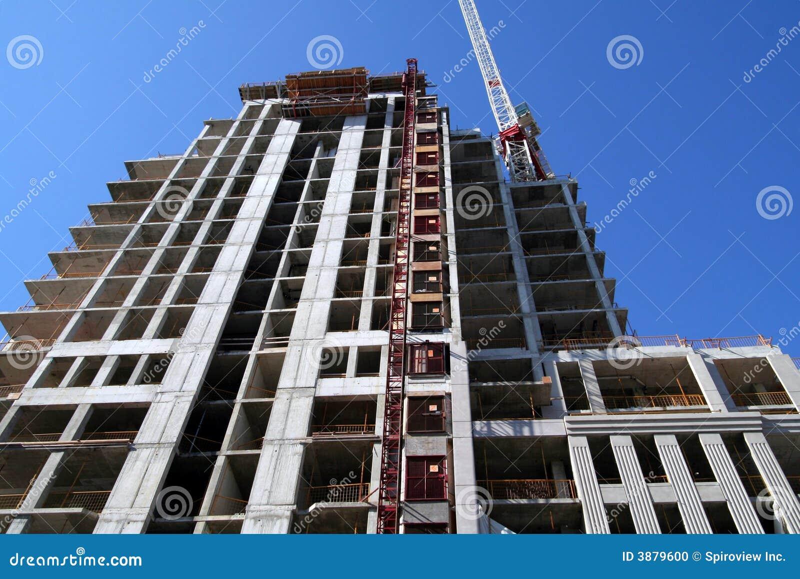 Costruzione di appartamento moderna in costruzione