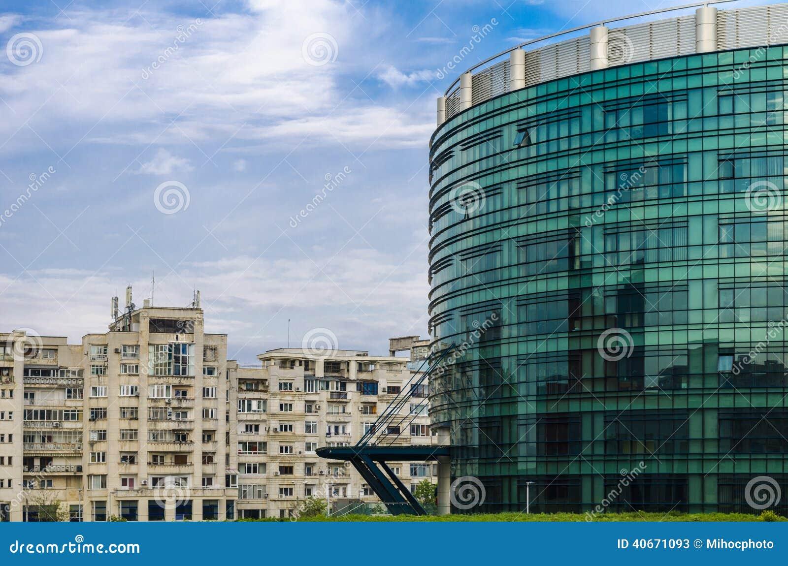 costruzione e palazzine di appartamenti moderne fotografia