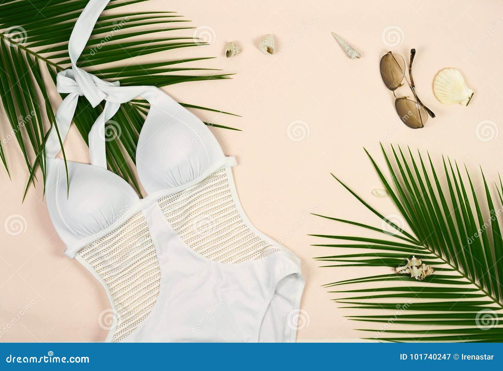 Costume Da Bagno Conchiglia : Costume da bagno occhiali da sole conchiglie e rami bianchi