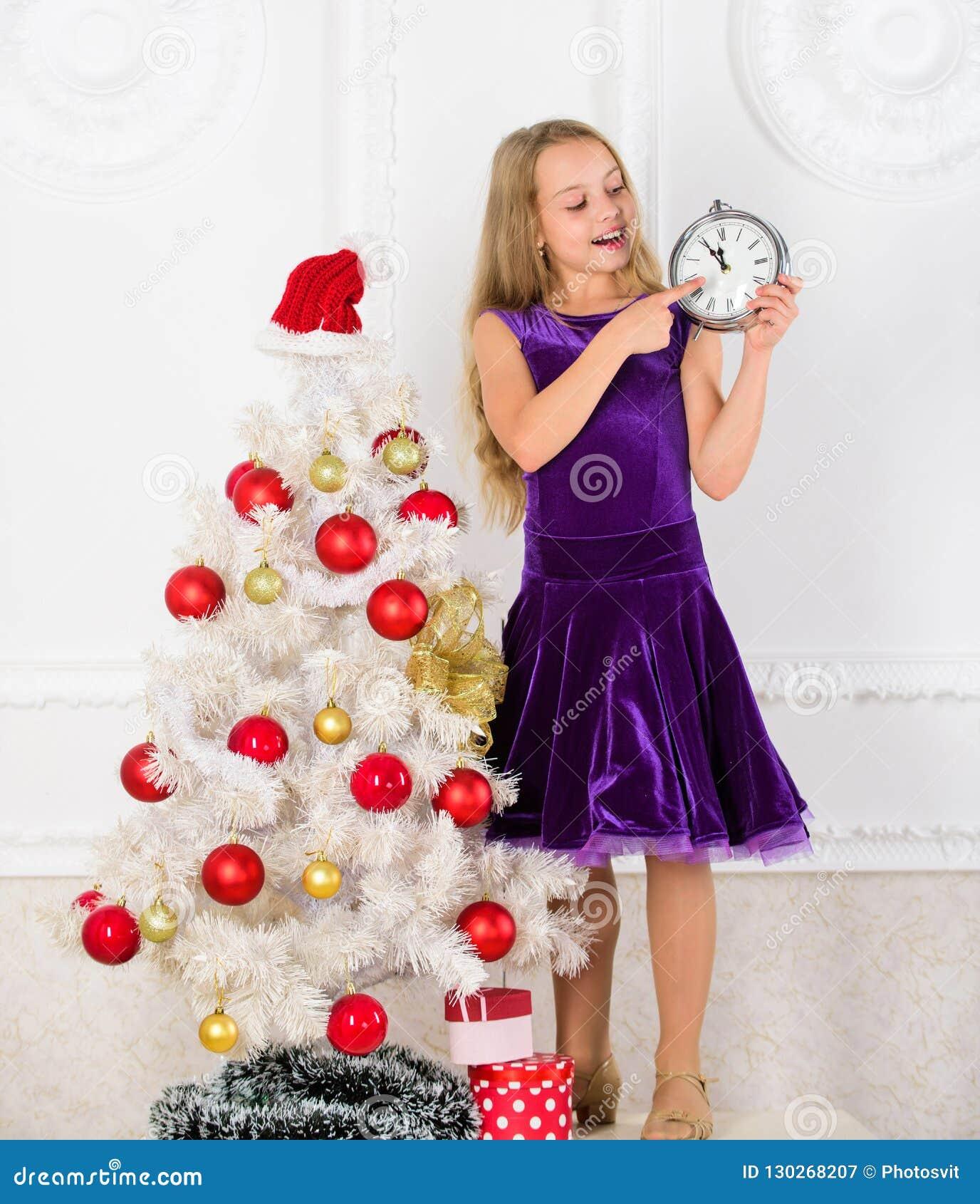 Costume De Chapeau De Santa D Enfant De Fille Avec L Horloge