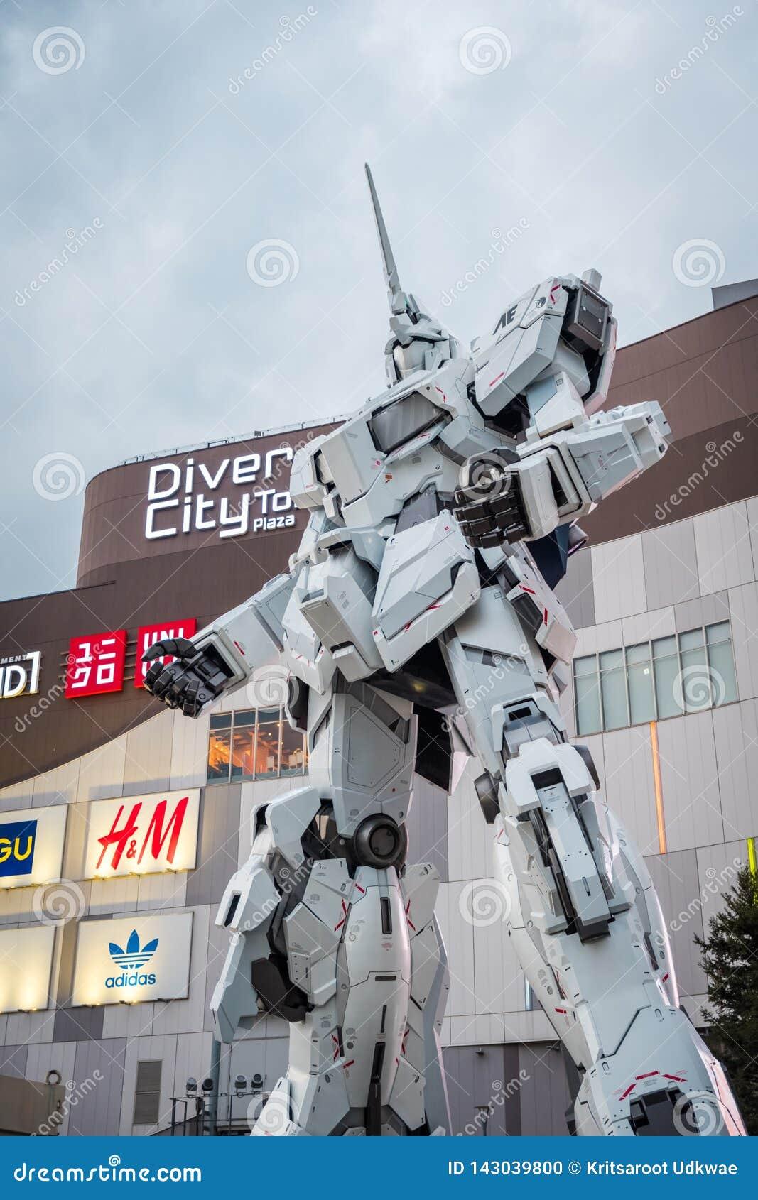 Costume mobile RX-0 Unicorn Gundam au plongeur City Tokyo Plaza dans la région d Odaiba, Tokyo