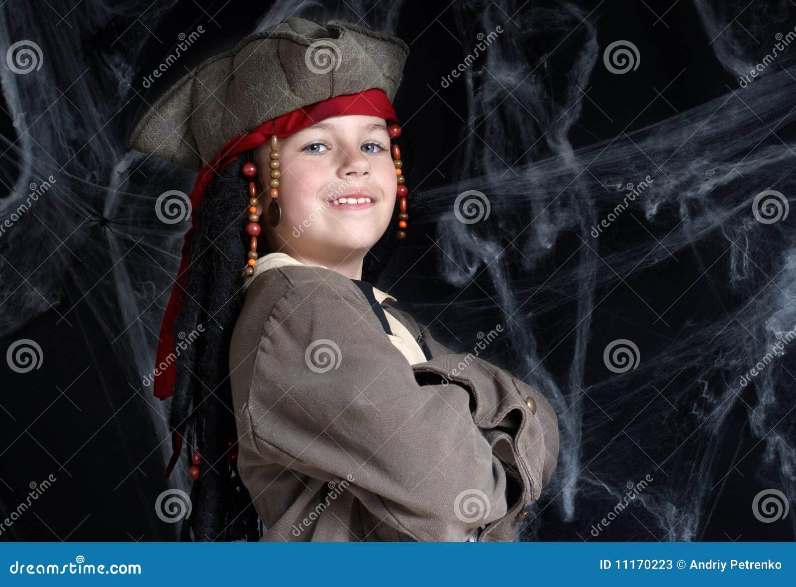 Costume s usant de pirate de petit garçon