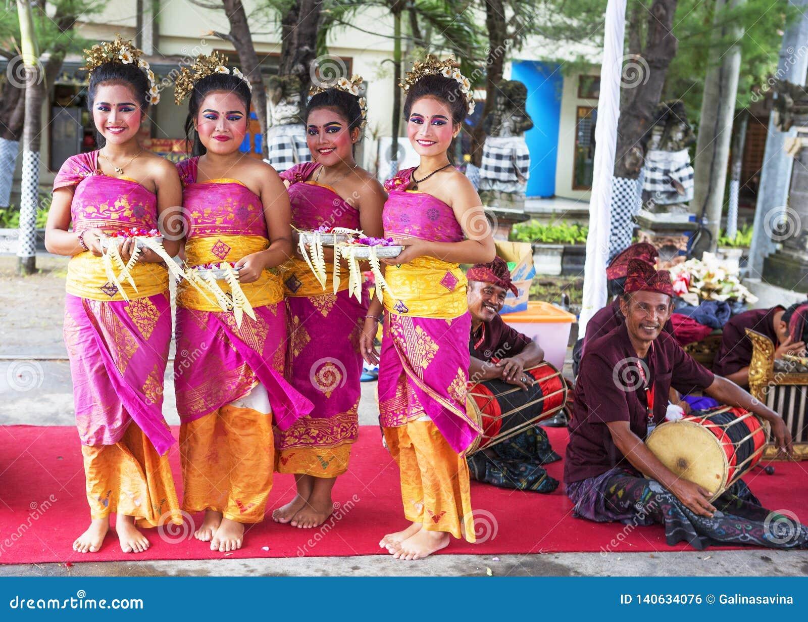 Bali Indonesia Girls In Indonesian Traditional Costume