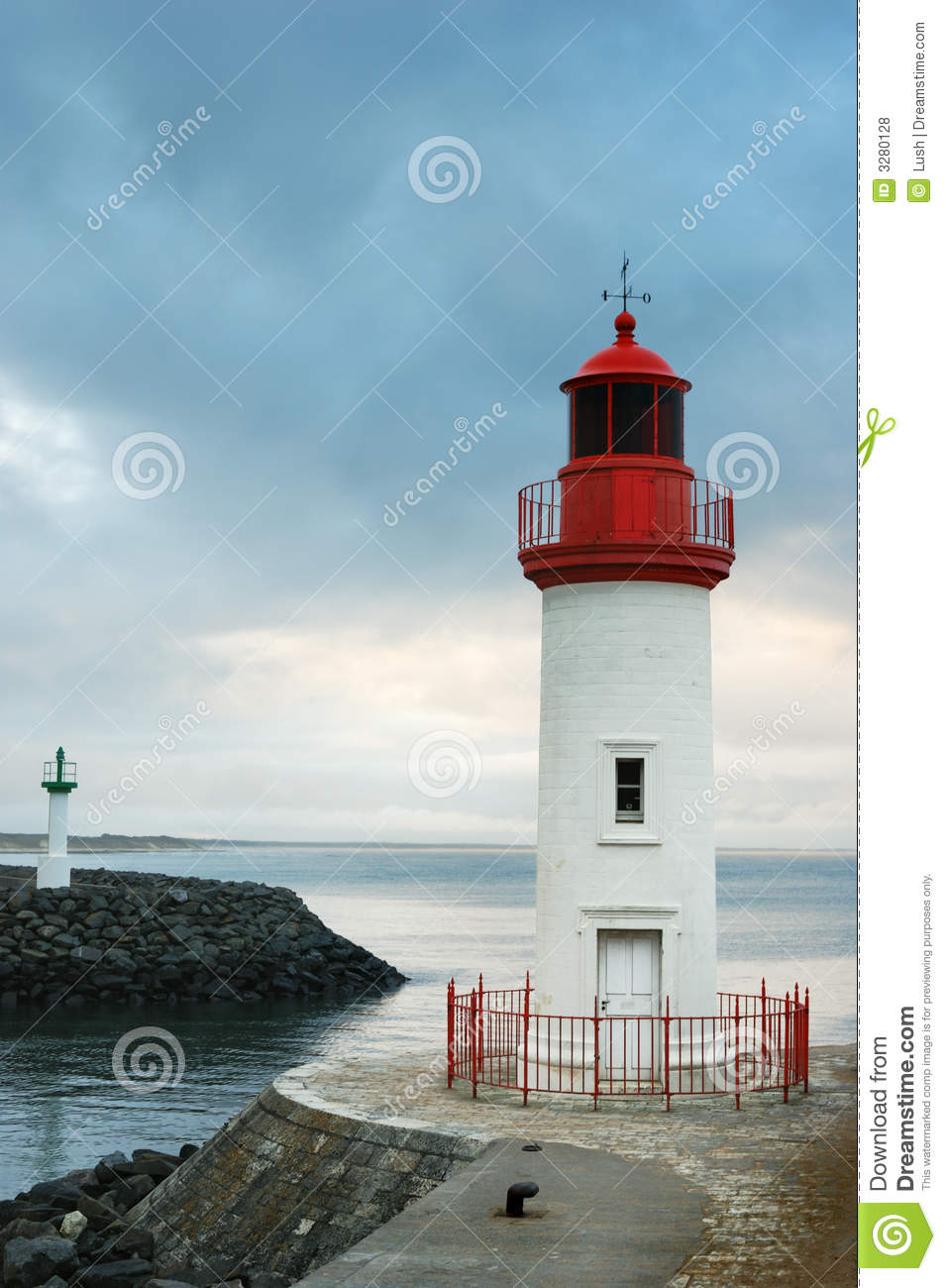 Cotiniere Lighthouse