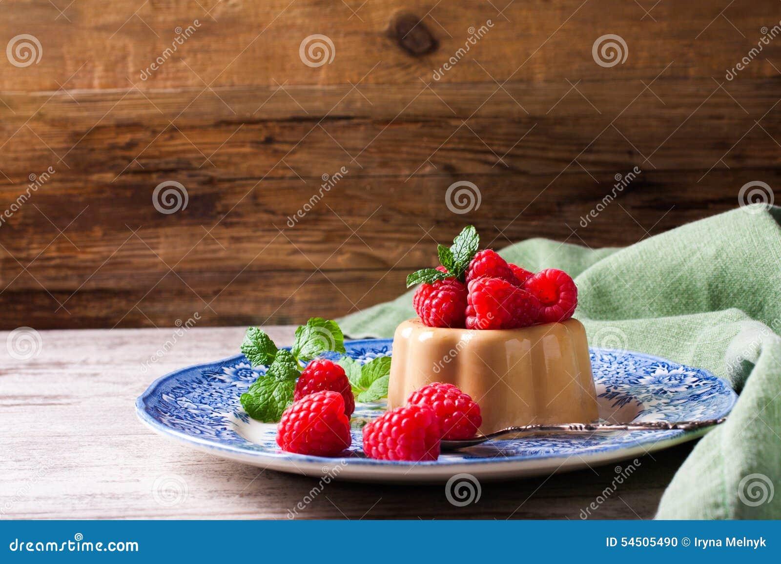 Cotta italien de panna de café de dessert