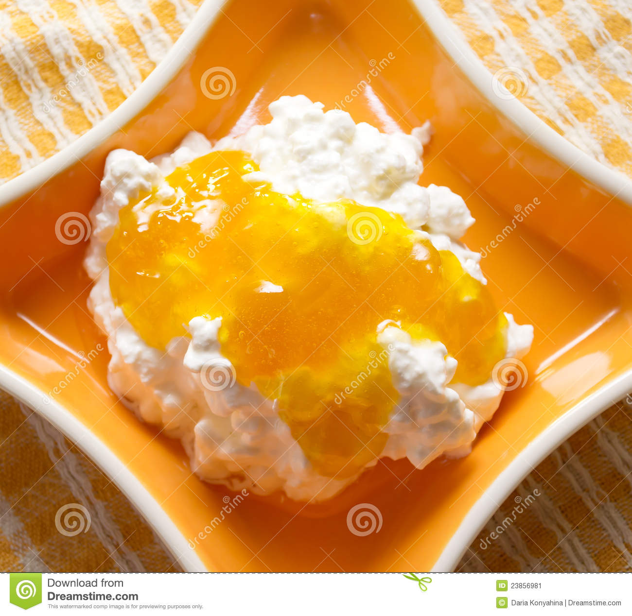 Cottage Cheese With Jam