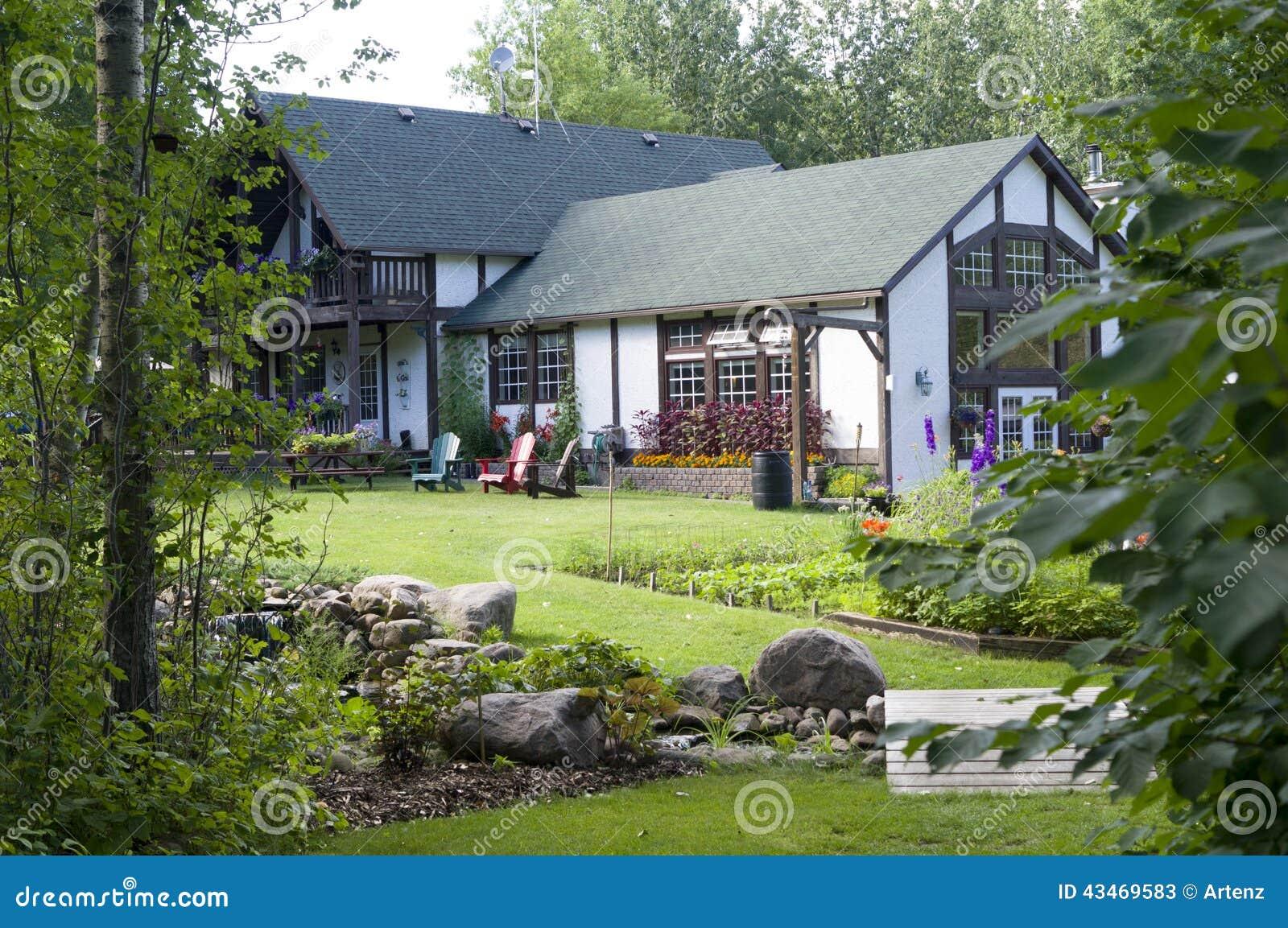 Cottage House Stock Photo Image 43469583