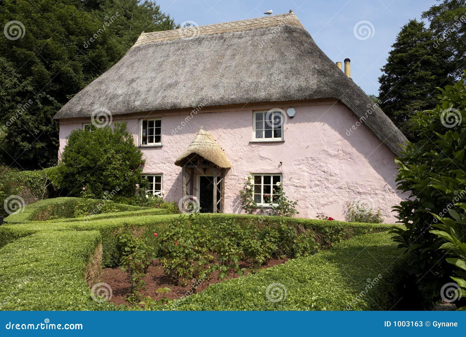 cottage inglese verniciato dentellare tradizionale