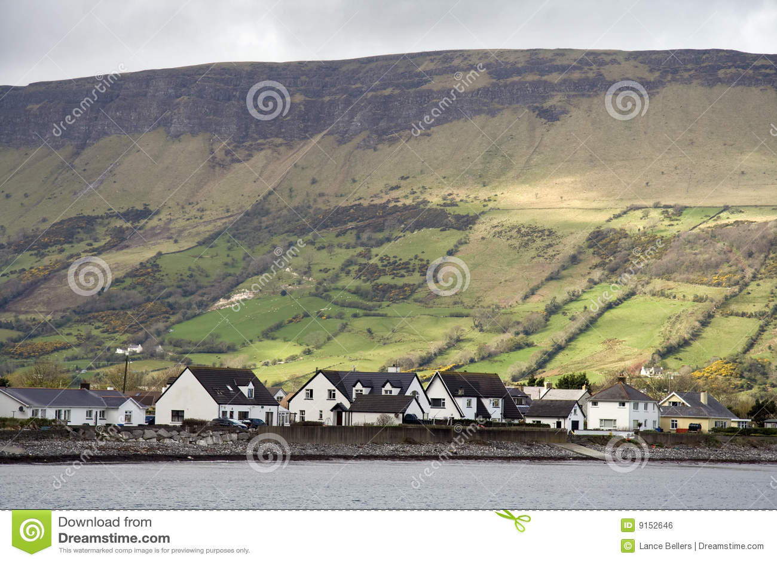Cottage irlandesi e paesaggio
