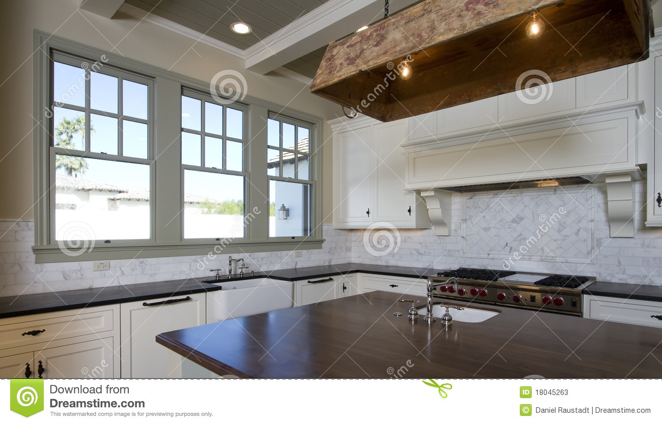Cottage Style White Kitchen Stock Photos - Image: 18045263