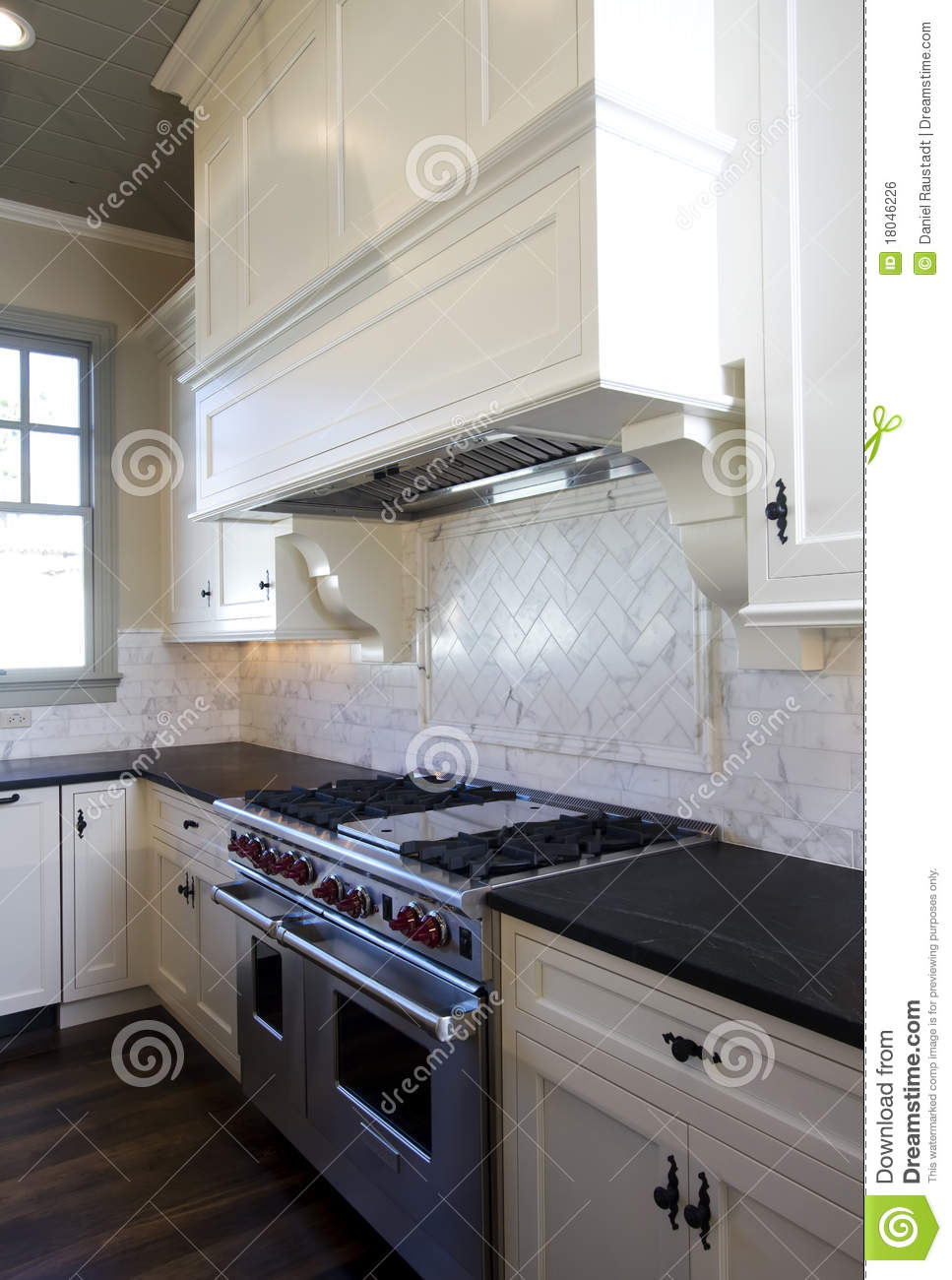 Cottage Style White Kitchen Royalty Free Stock Image - Image: 18046226