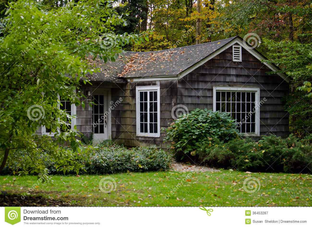 Cottage In The Woods Royalty Free Stock Photography