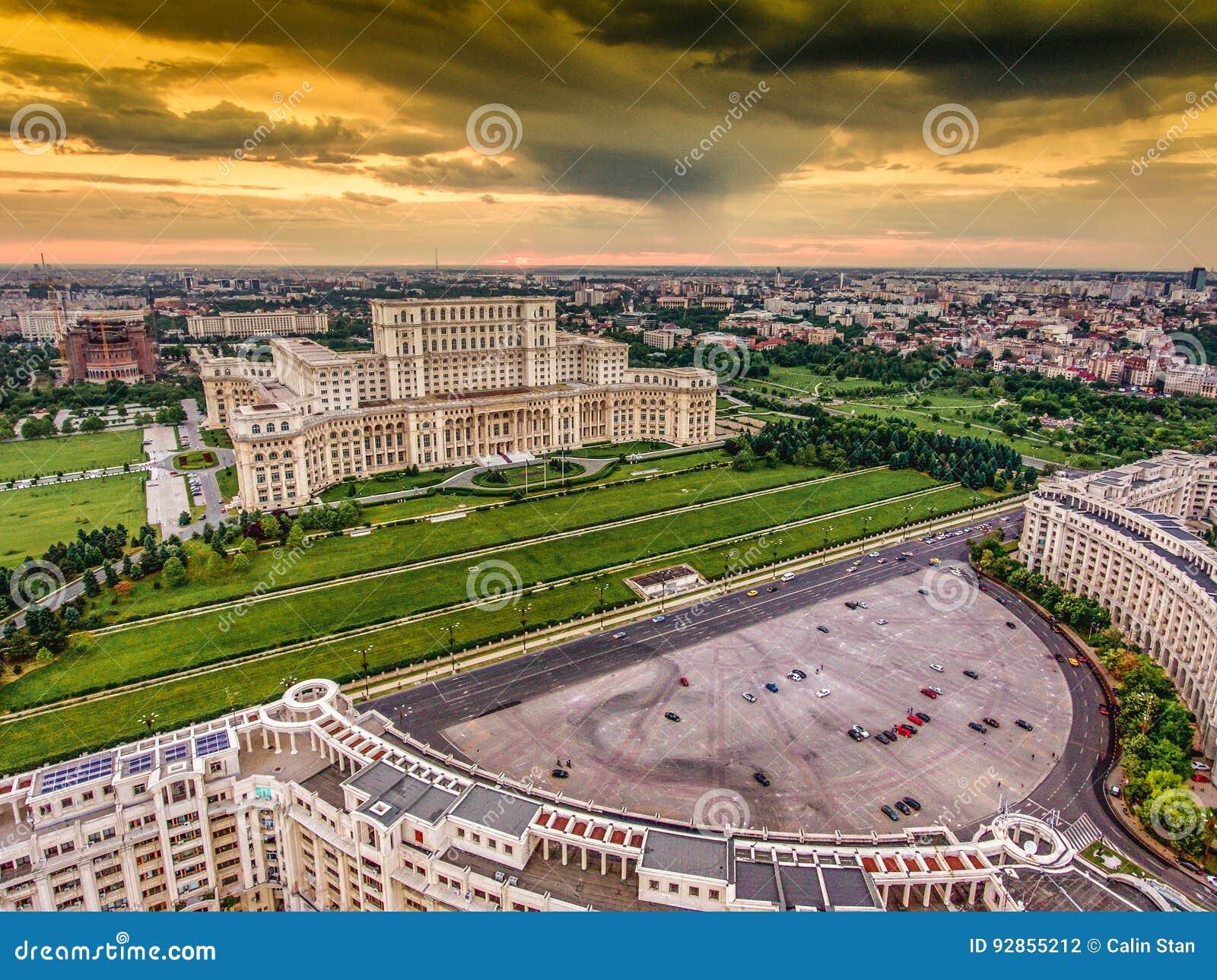 Coucher du soleil à Bucarest Roumanie