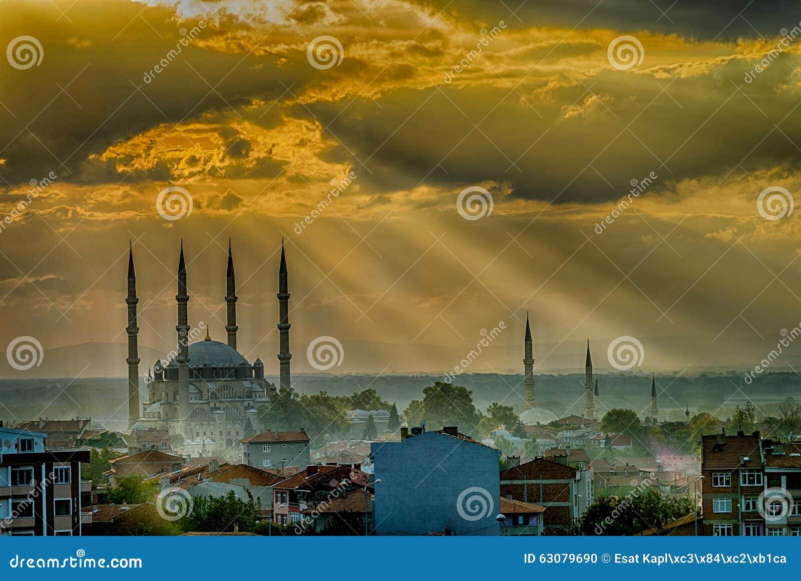 Download Coucher du soleil à Edirne photo stock. Image du célèbre - 63079690