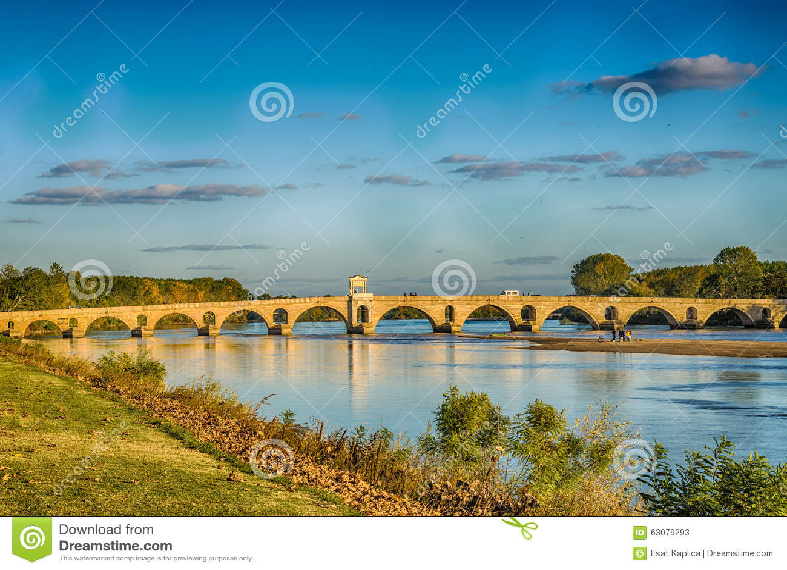 Download Coucher Du Soleil à Edirne Meric Bridge Image stock - Image du grand, jour: 63079293