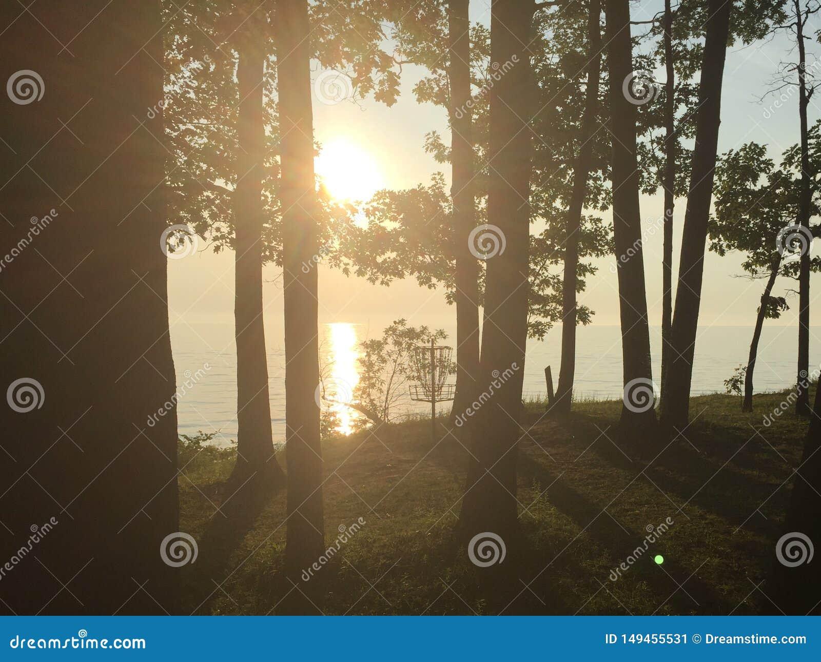Coucher du soleil au-dessus de lac Erie