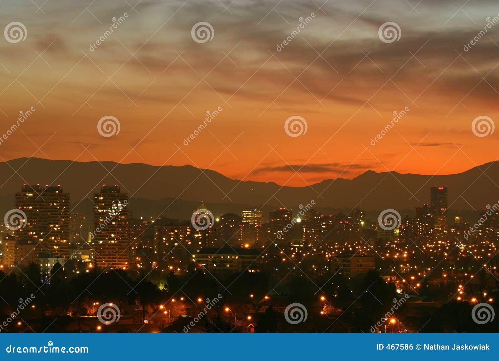 Coucher du soleil au-dessus de Santiago, Chili
