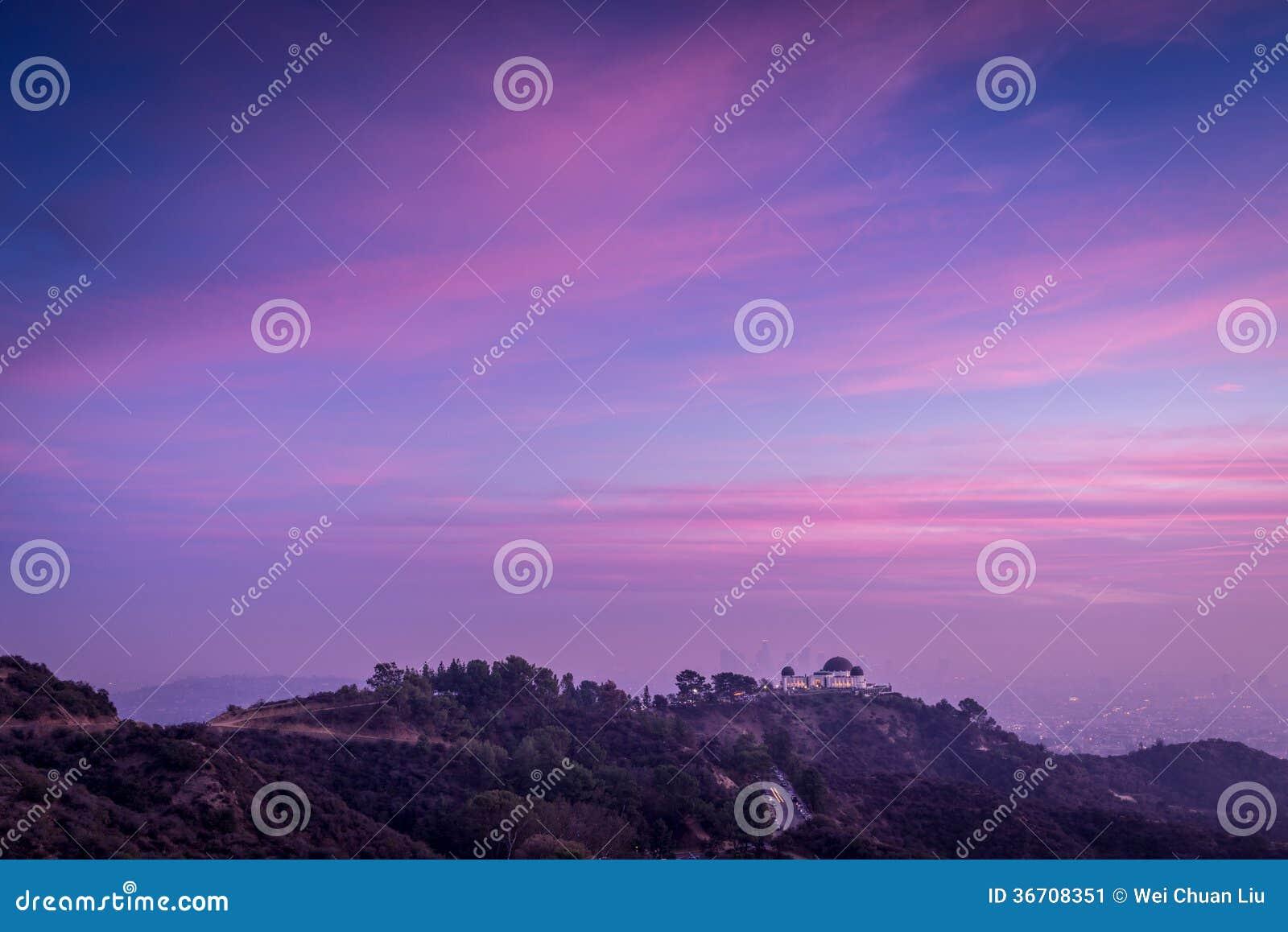 Coucher du soleil au-dessus des collines de Los Angeles