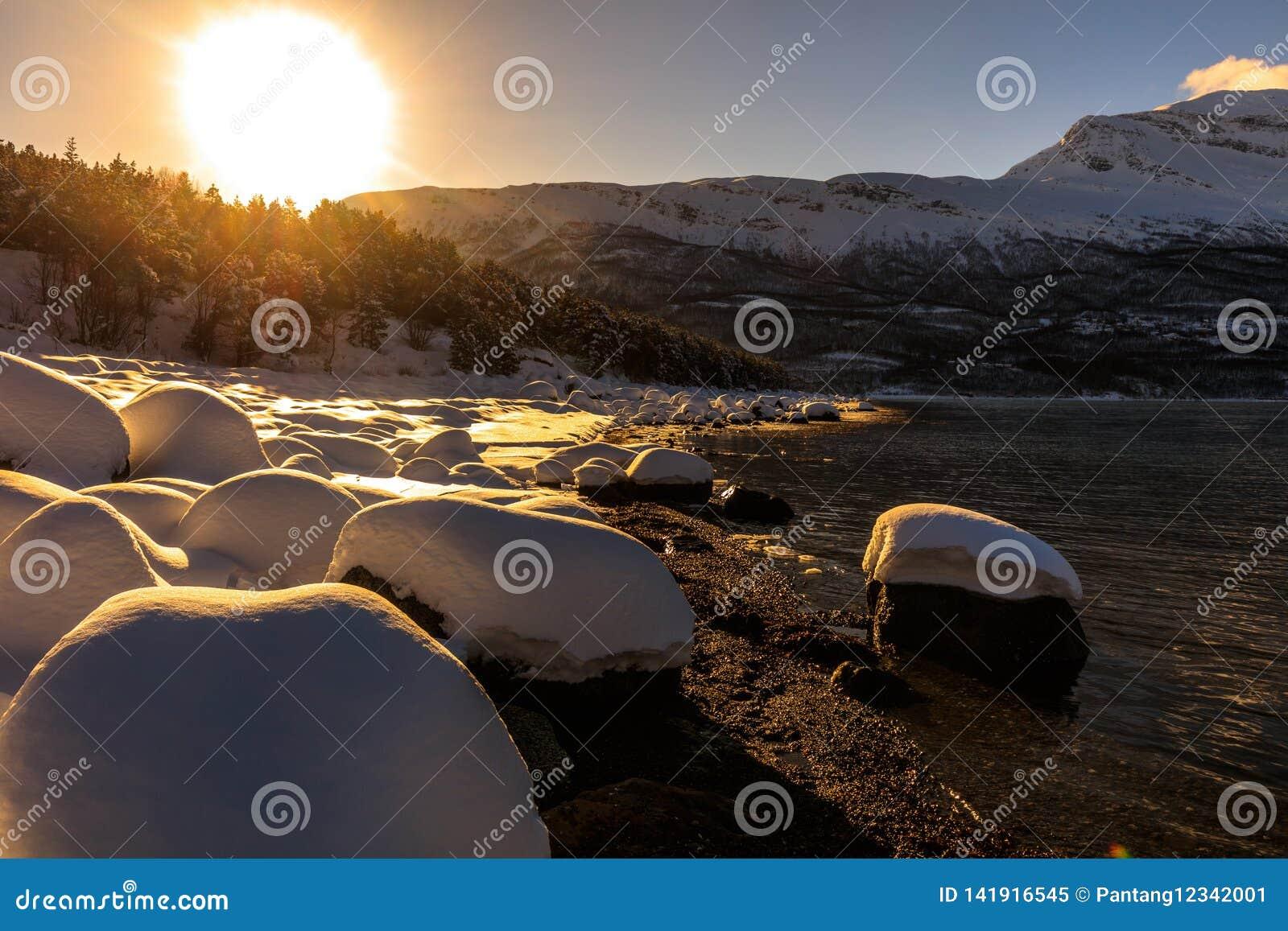 Coucher du soleil au fjord