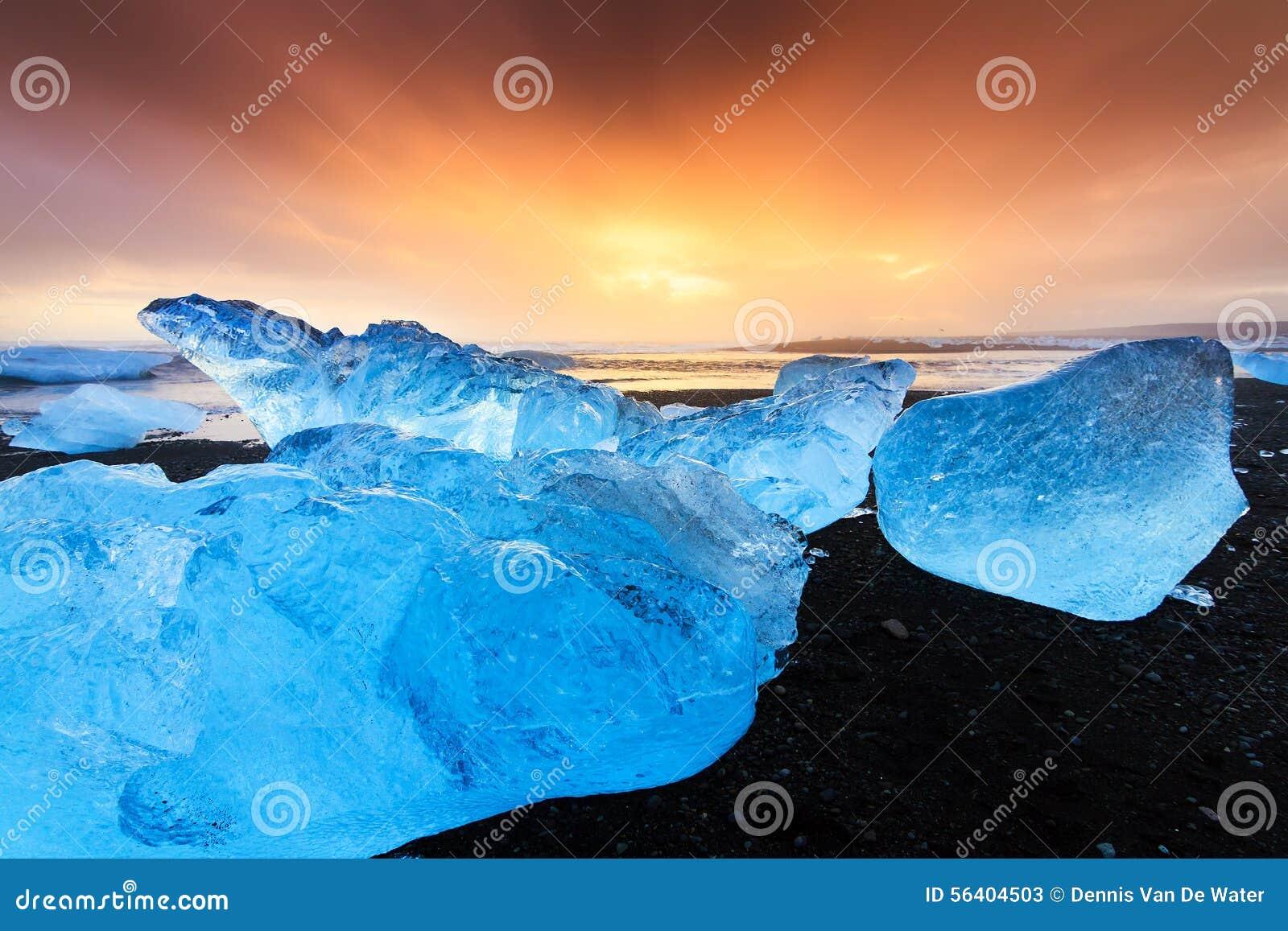 Coucher du soleil bleu de glace