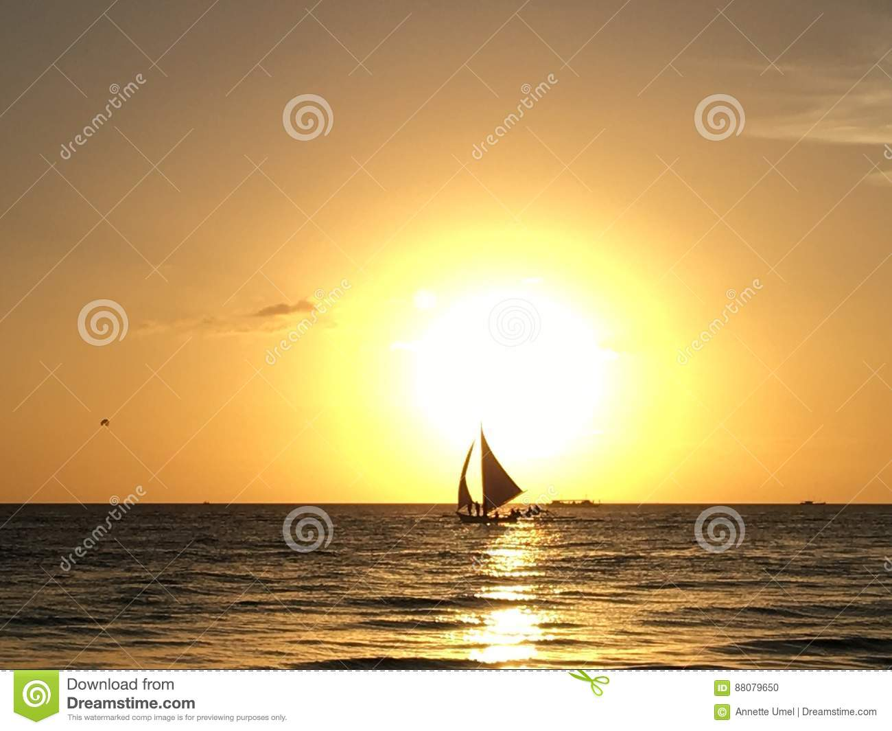 Coucher Du Soleil Danniversaire Photo Stock Image Du Photo Plage