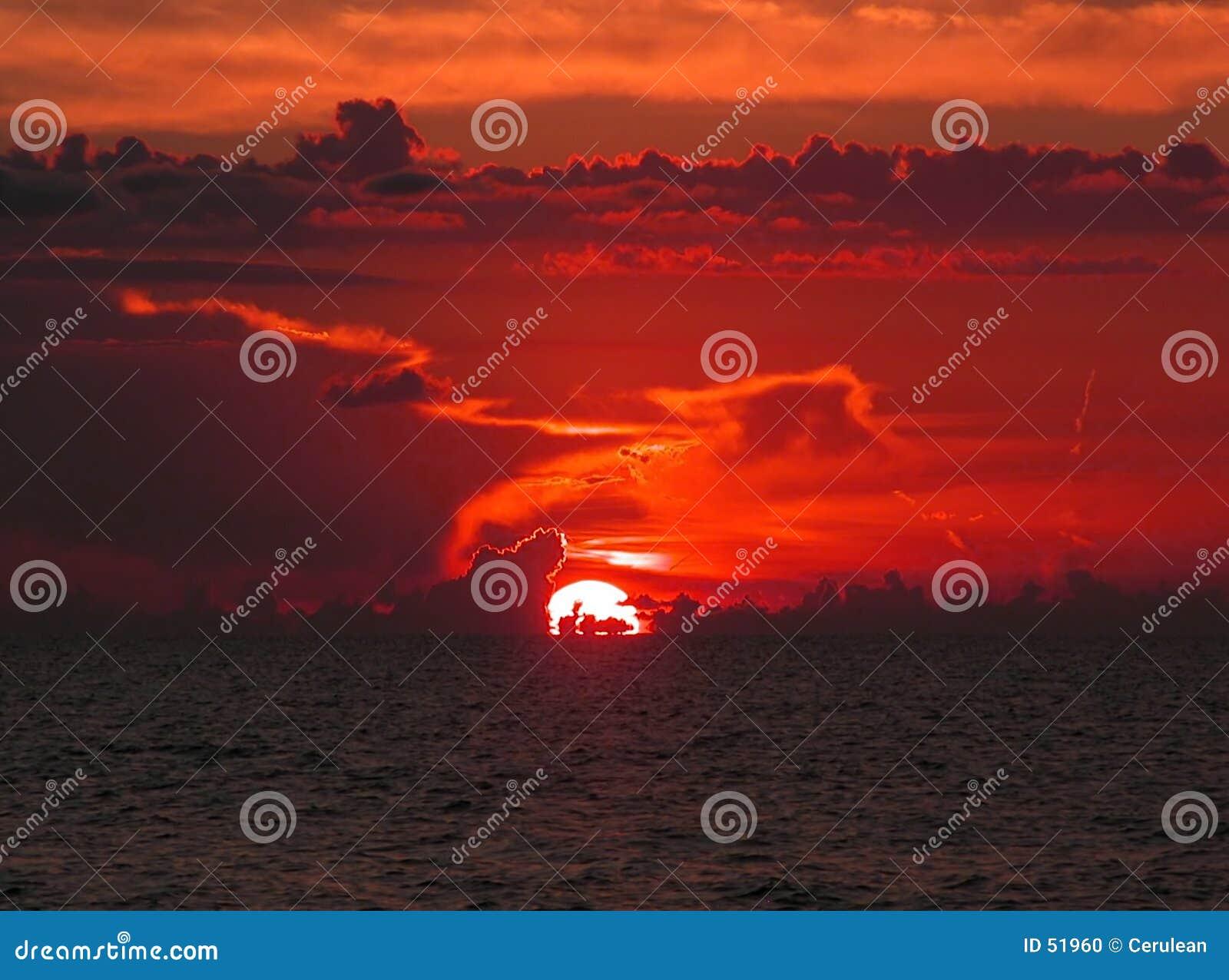 Download Coucher du soleil d'océan photo stock. Image du visibilité - 51960