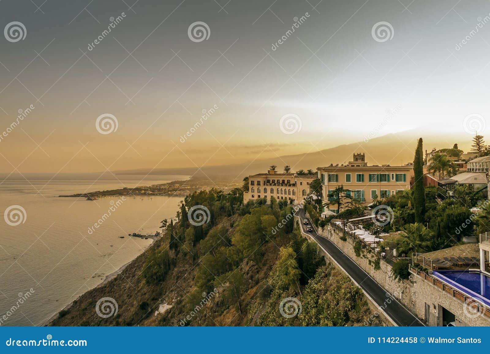 Coucher du soleil dans Taormina